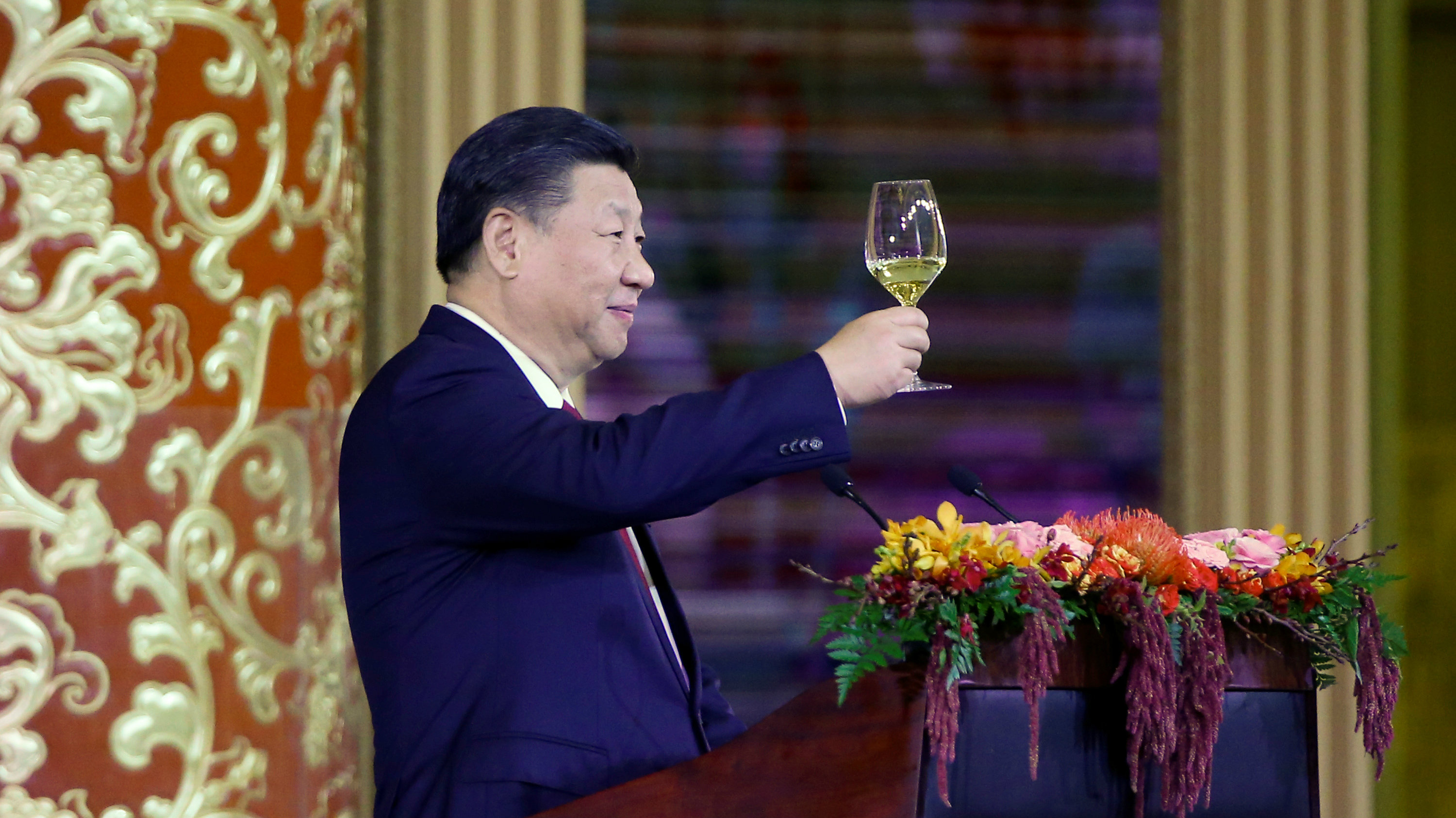 China's President Xi Jinping delivers a toast at a state dinner