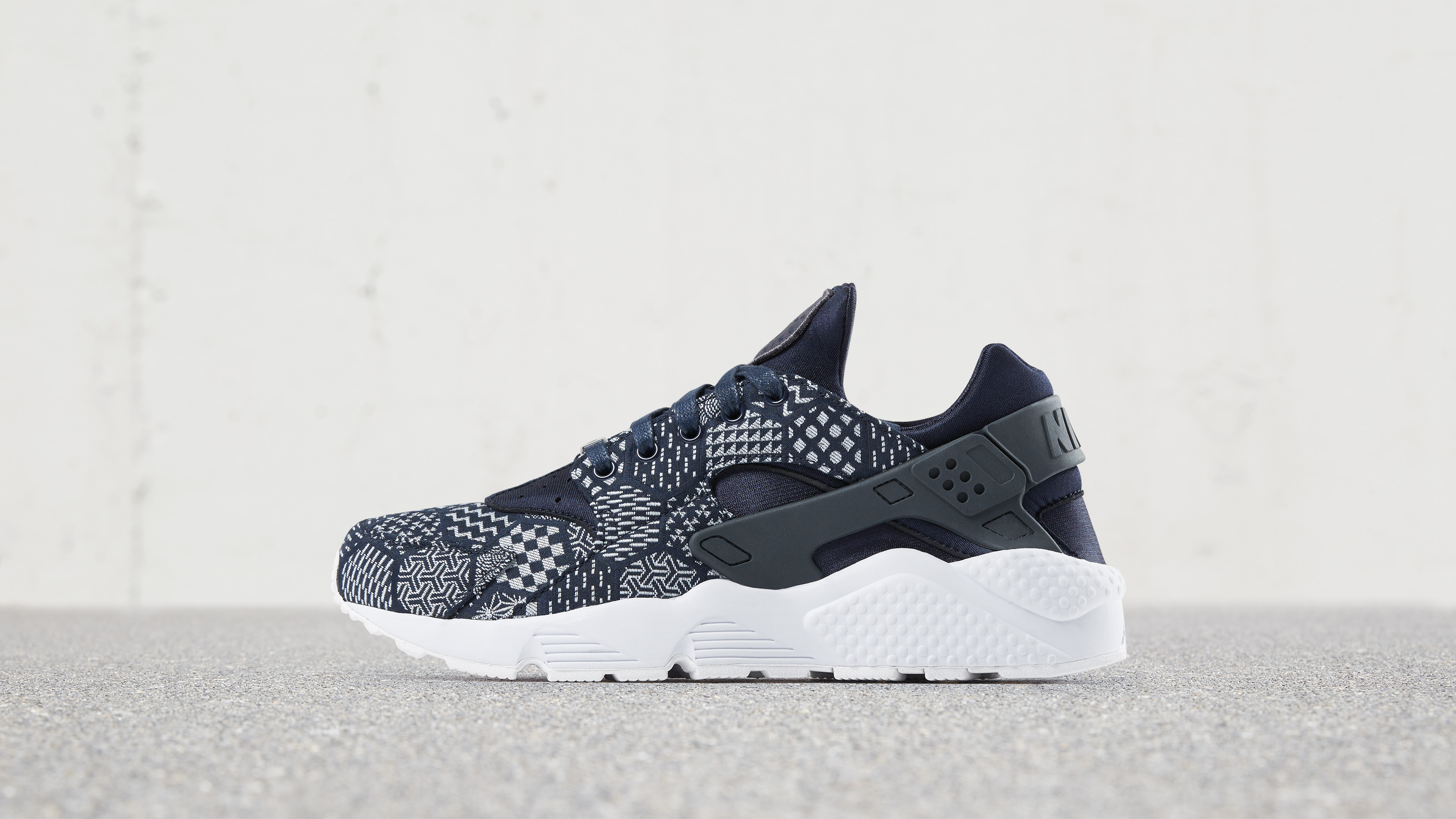 huge discount eabca 62ad8 Nike Air Huarache