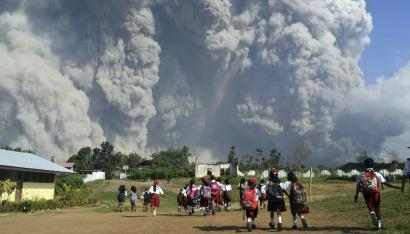 "Indonesia volcano: An eruption at Mount Sinabung ""completely annihilated"" its peak — Quartz"