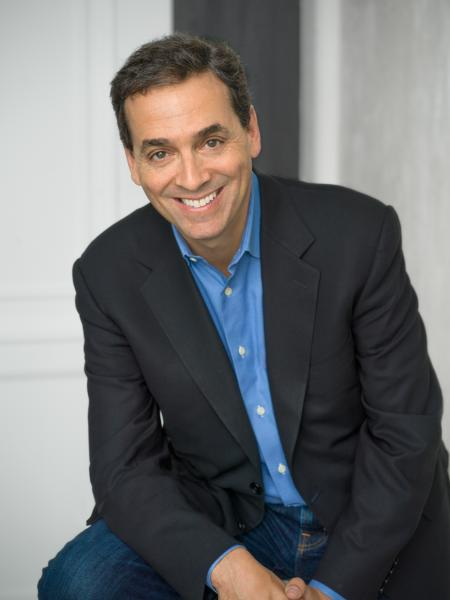 A portrait of author Daniel Pink