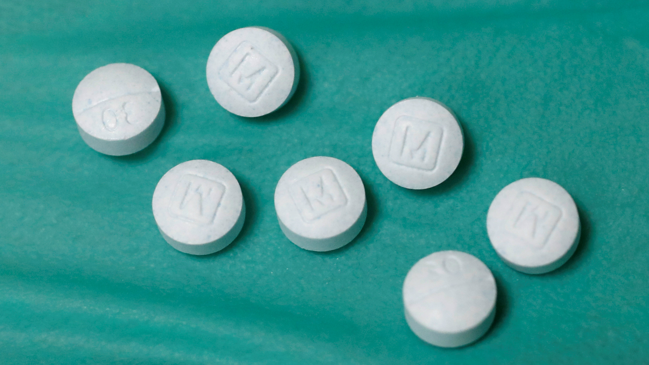 A picture of some Oxycodone pills