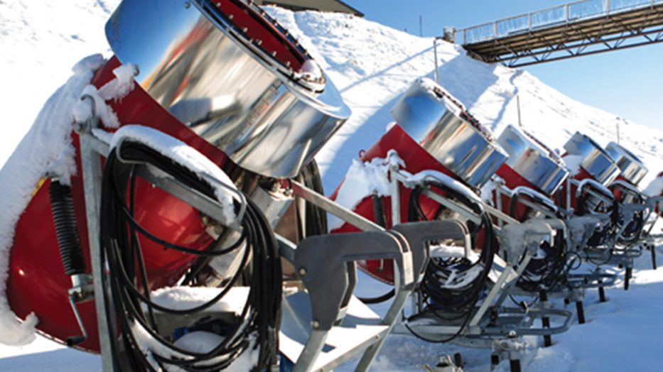 SMI's flagship Super PoleCat Snow Guns.
