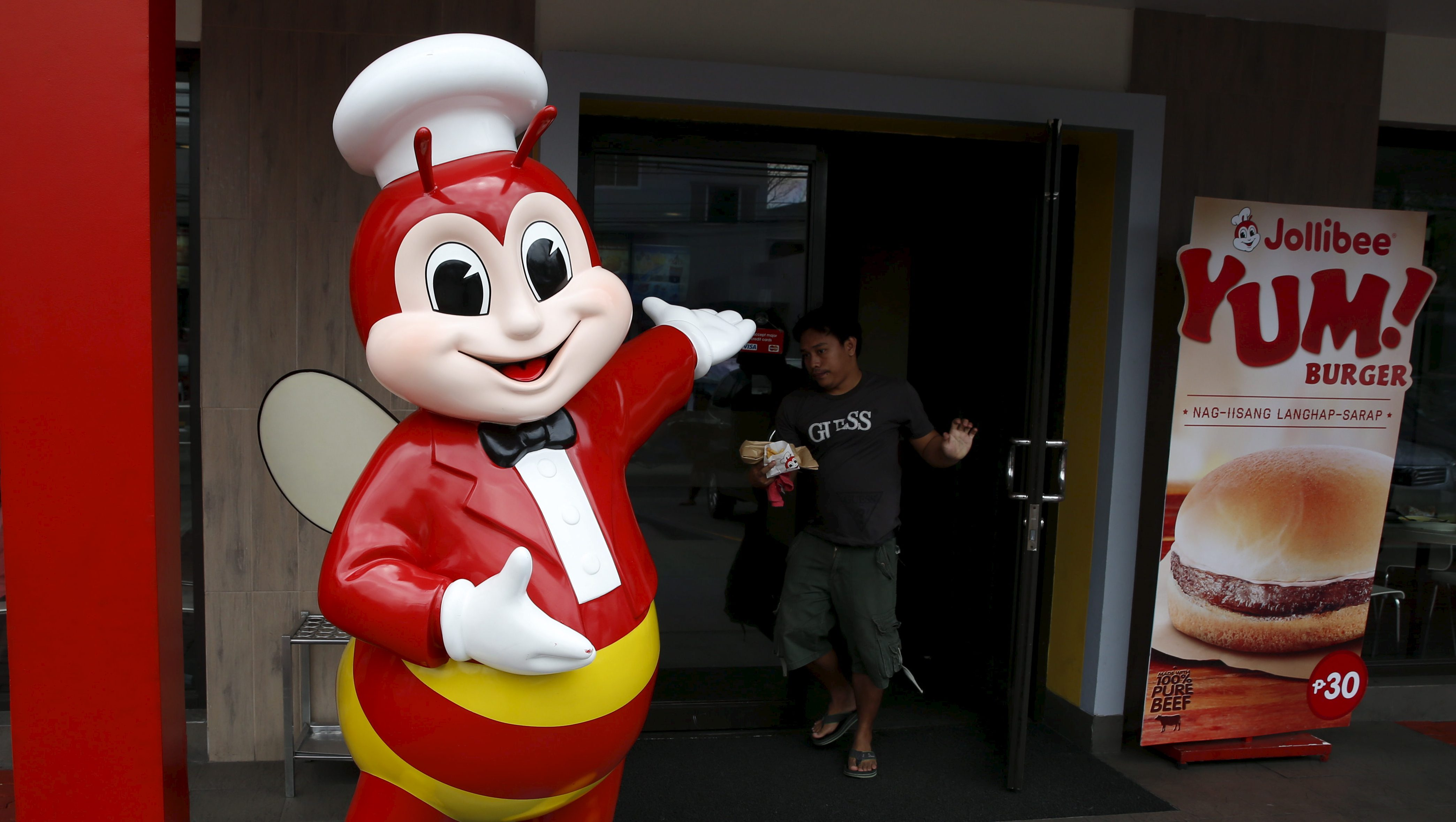 Jollibee In Italy The Filipino Fast Food Chain Is Bringing Banana