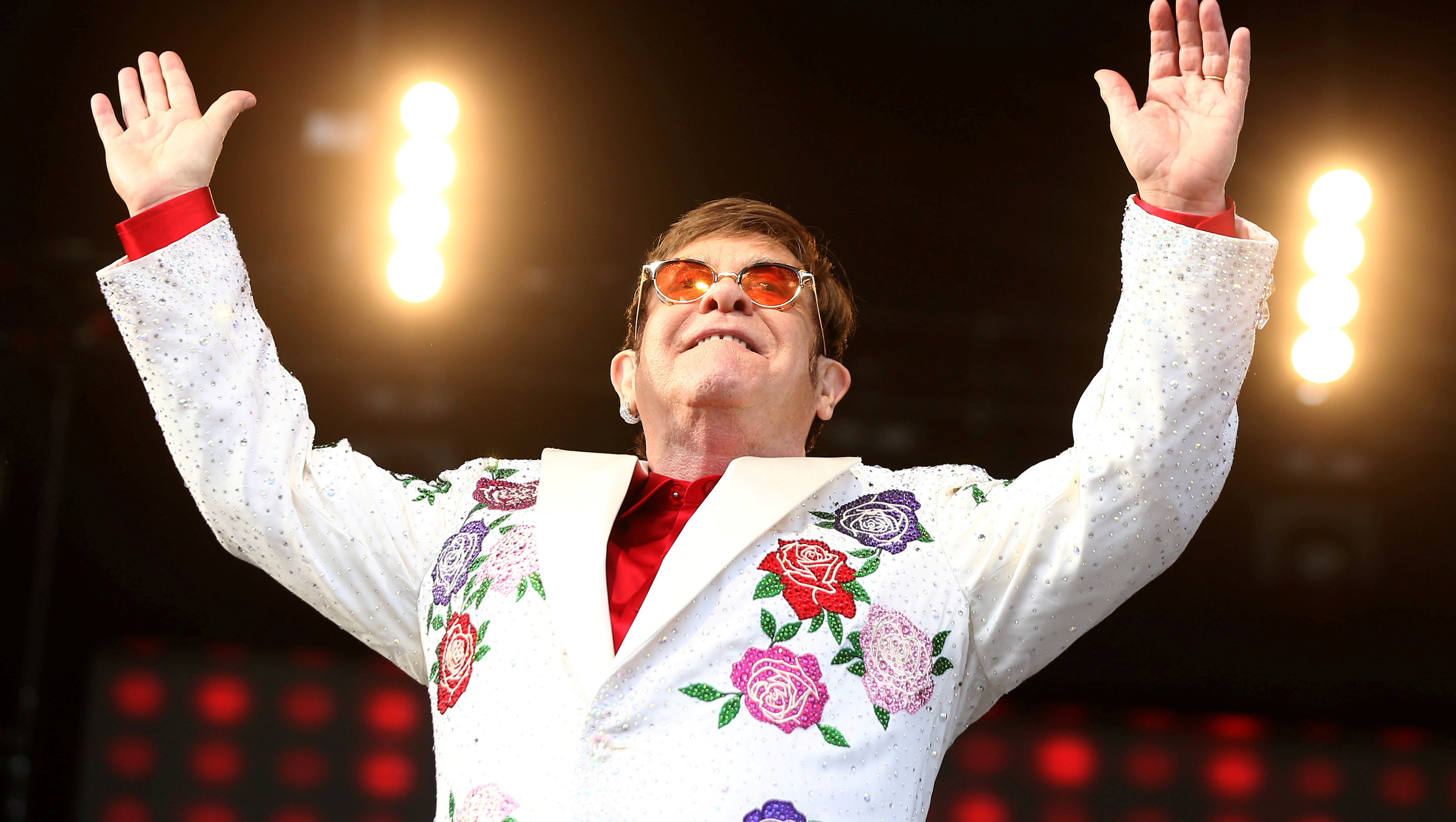 FILE PHOTO: Musician Elton John performs at a concert in Twickenham in London, Britain June 3, 2017. REUTERS/Neil Hall/File Photo - RC14FFB763D0