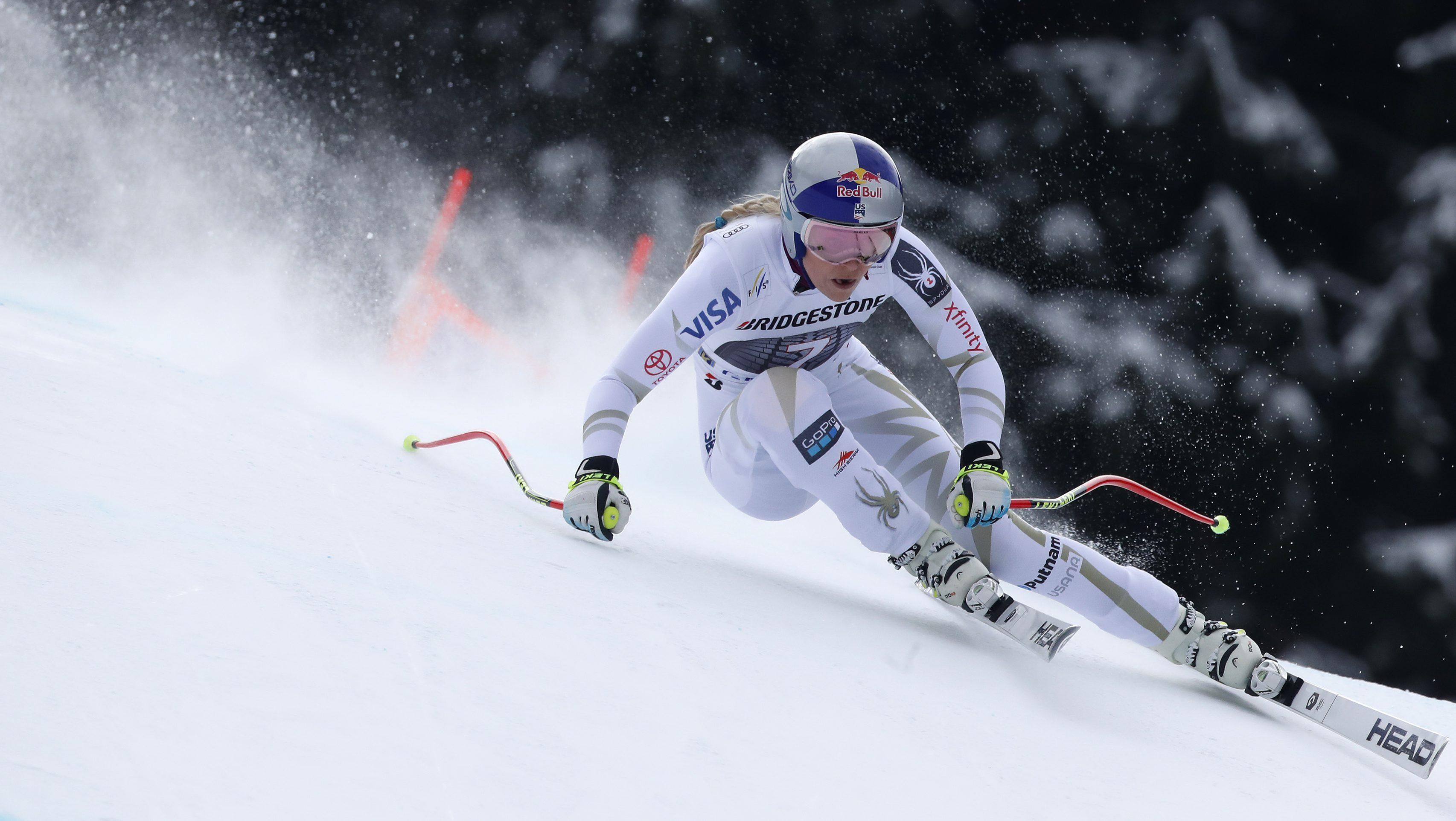 Alpine Skiing - FIS Alpine Skiing World Cup - Women's Alpine Downhill - Garmisch-Partenkirchen, Germany - February 4, 2018 - Lindsey Vonn of the U.S. in action. REUTERS/Dominic Ebenbichler - UP1EE240X7I88