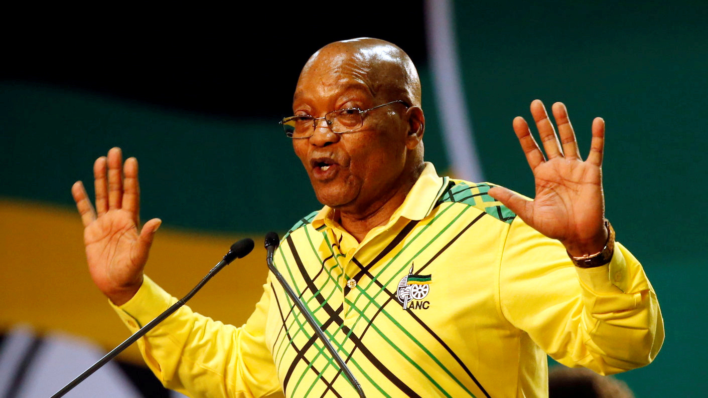 FILE PHOTO: President of South Africa Jacob Zuma gestures to his supporters at the 54th National Conference of the ruling African National Congress (ANC) in Johannesburg, South Africa December 16, 2017. REUTERS/Siphiwe Sibeko/File Photo - RC1B325B7CD0