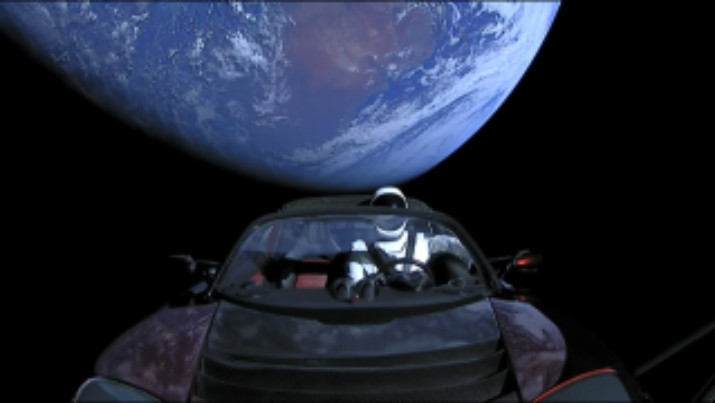 Tesla-Roadster-Space-3