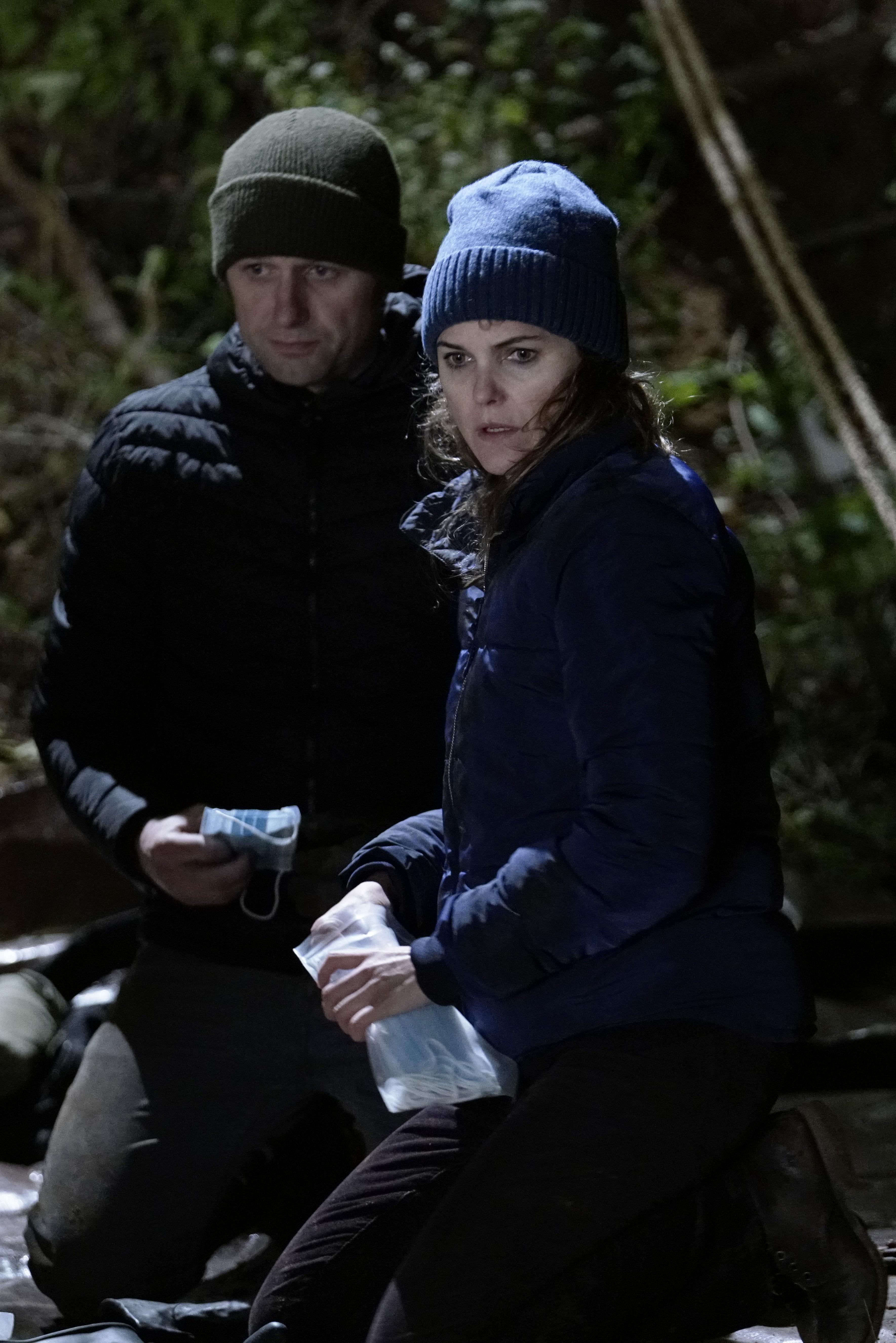 Matthew Rhys as Philip Jennings, Keri Russell as Elizabeth Jennings in season 5 of The Americans