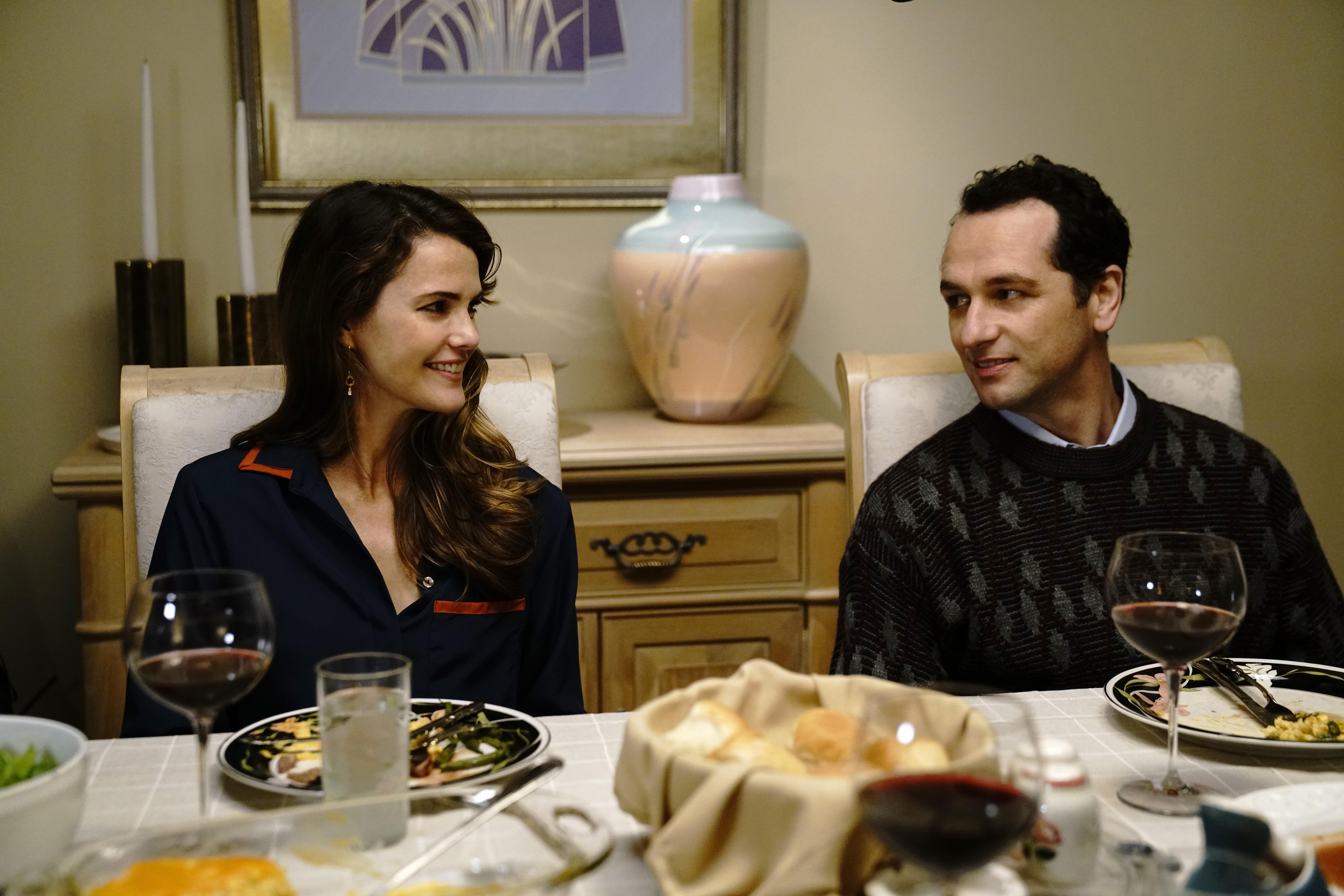 Keri Russell as Elizabeth Jennings, Matthew Rhys as Philip Jennings in the Americans, Season 6