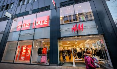 """epa06440522 A store of Swedish clothing company """"H&M"""" (Hennes & Mauritz) in the city center of Bremen, northern Germany, 15 January 2018. H&M has apologized after a widespread outcry over a promotional image that many have called racist. EPA-EFE/FOCKE STRANGMANN"""