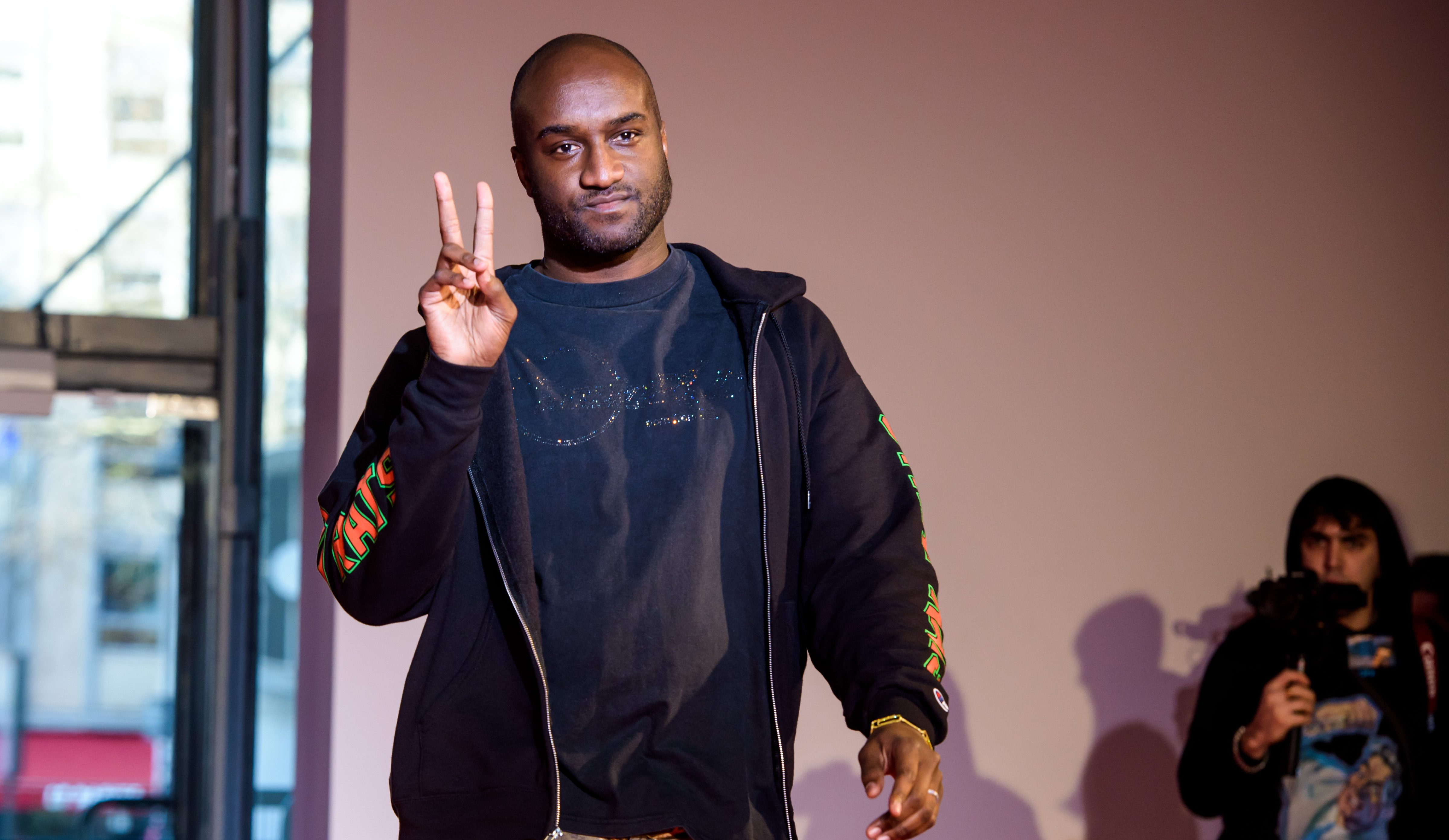 61b97bfdef2 epa06630142 (FILE) - US designer Virgil Abloh appears on the runway after  the presentation