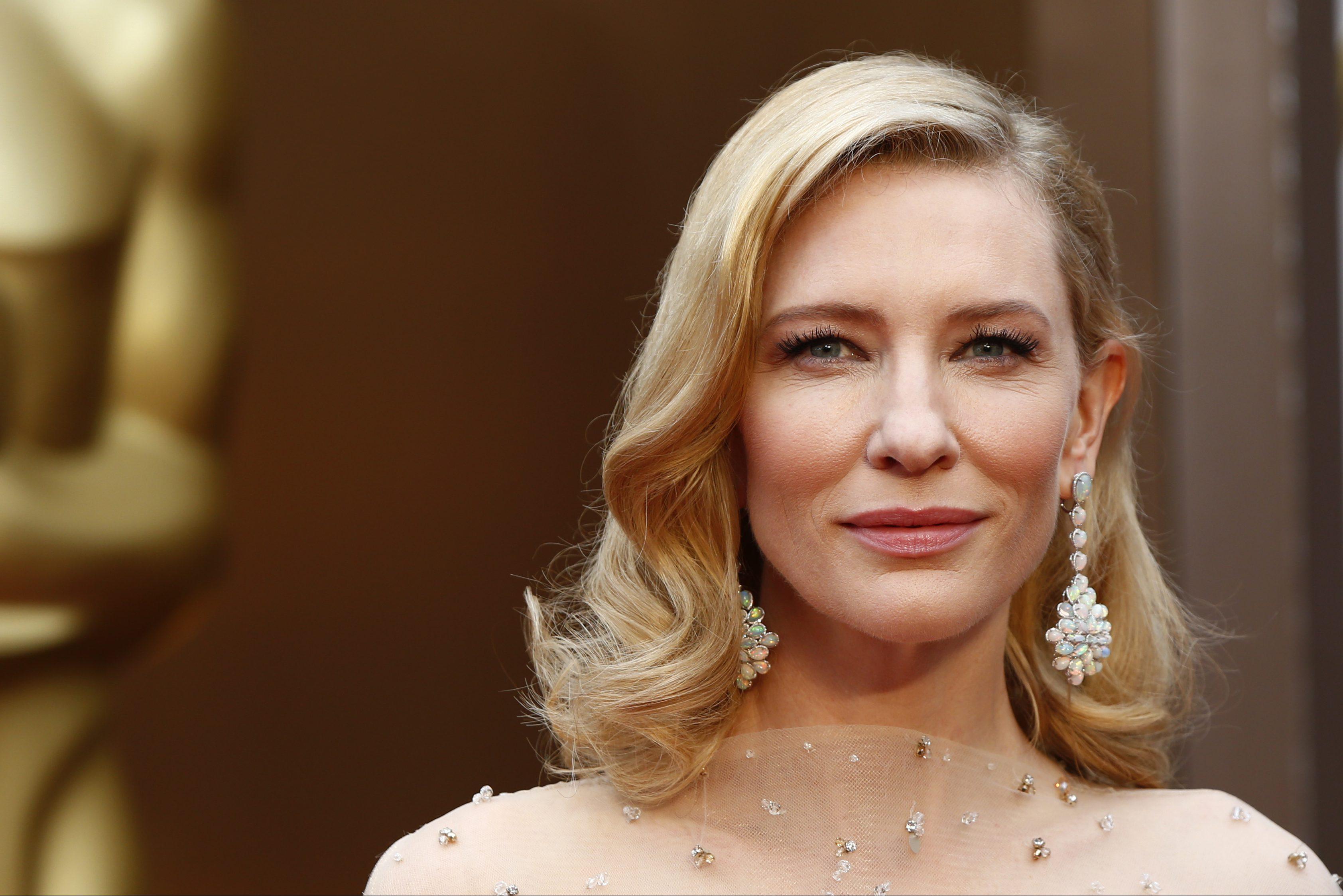 Sandra Bullock And Cate Blanchett Had A Penis Facial Its -5346