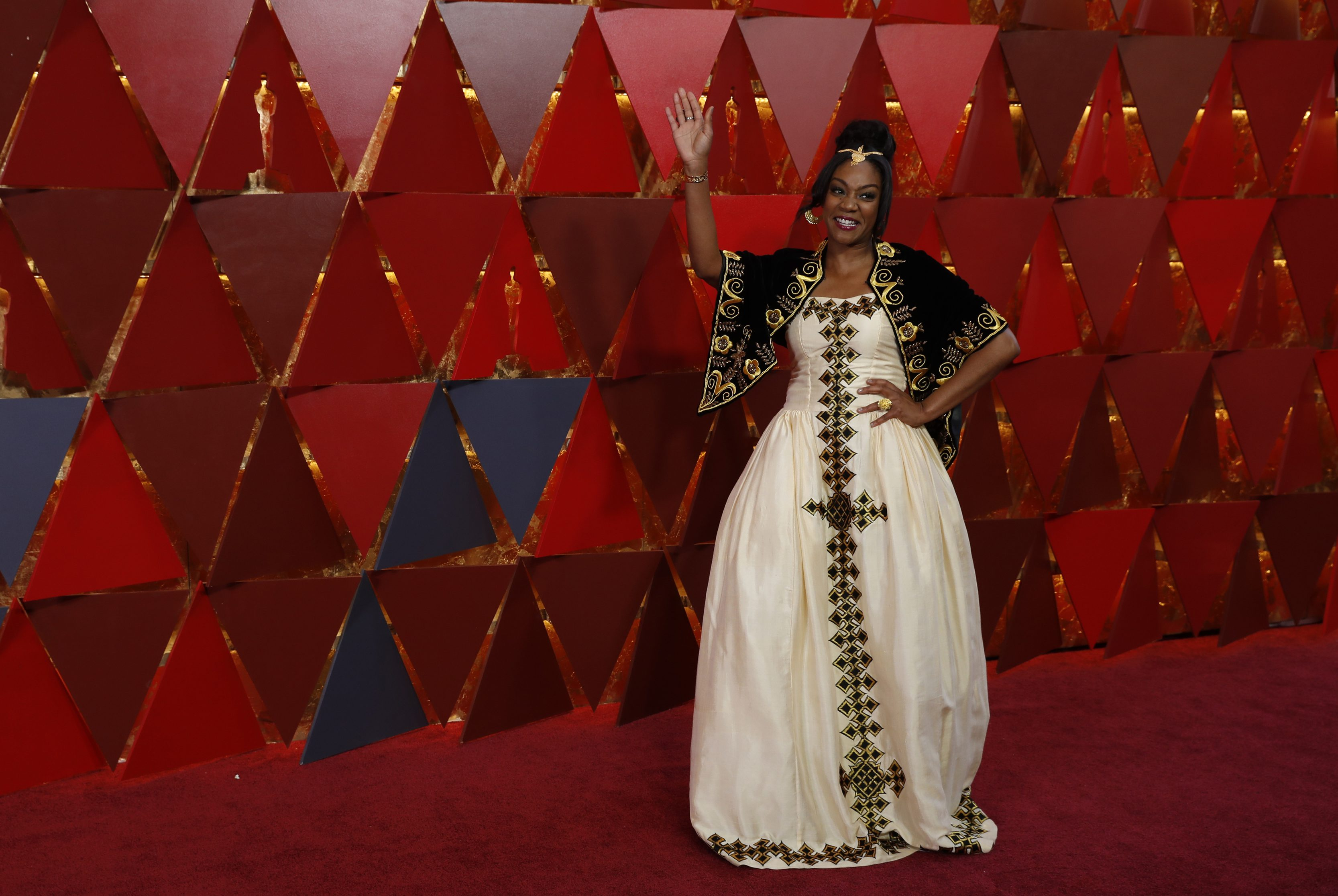 90th Academy Awards - Oscars Arrivals - Hollywood, California, U.S., 04/03/2018 - Comedian and actress Tiffany Haddish wears a dress from designer from Eritrea in honor of her father.