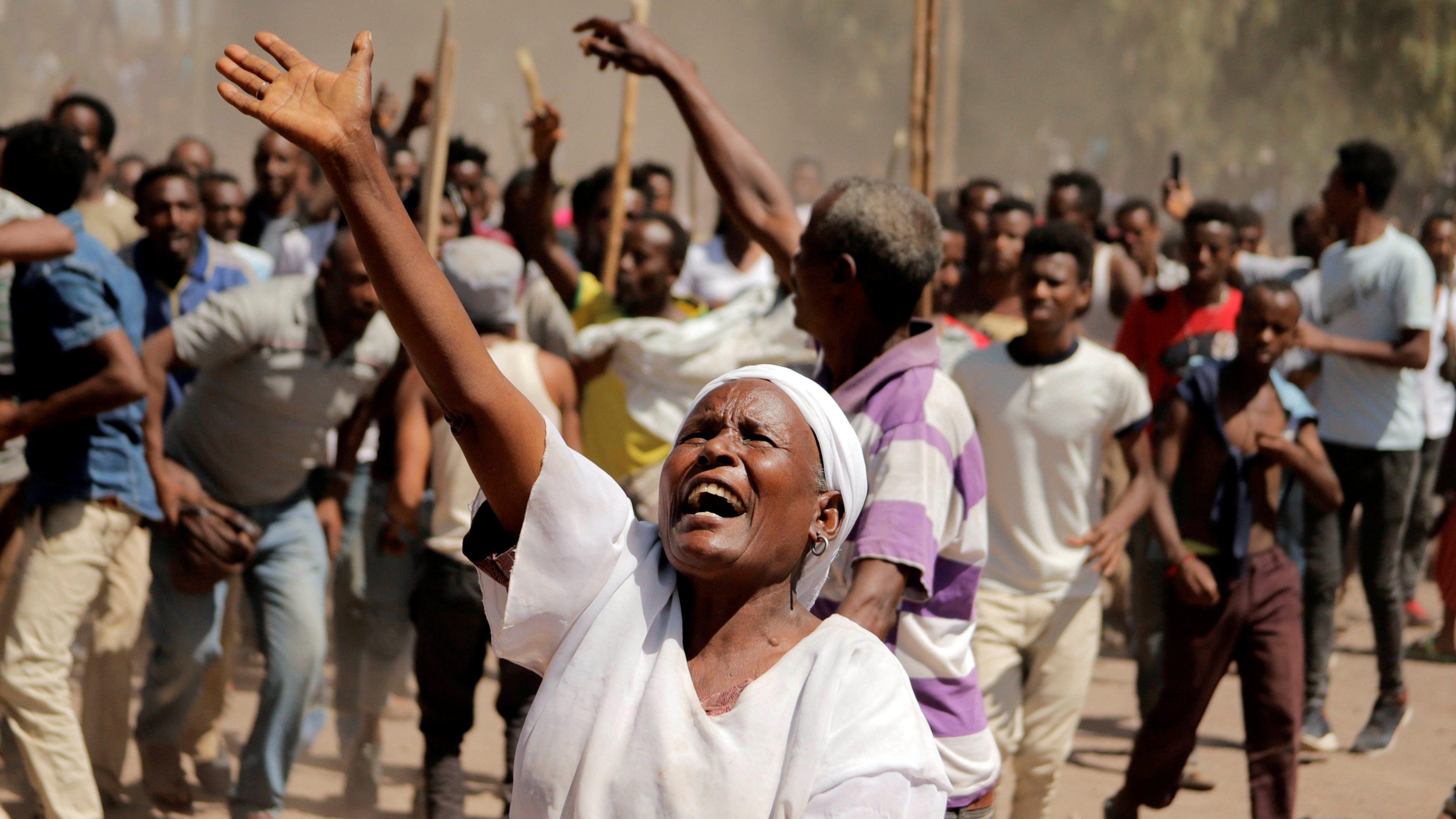 FILE PHOTO: Supporters of Bekele Gerba, secretary general of the Oromo Federalist Congress (OFC), chant slogans to celebrate Gerba's release from prison, in Adama, Oromia Region, Ethiopia February 14, 2018.