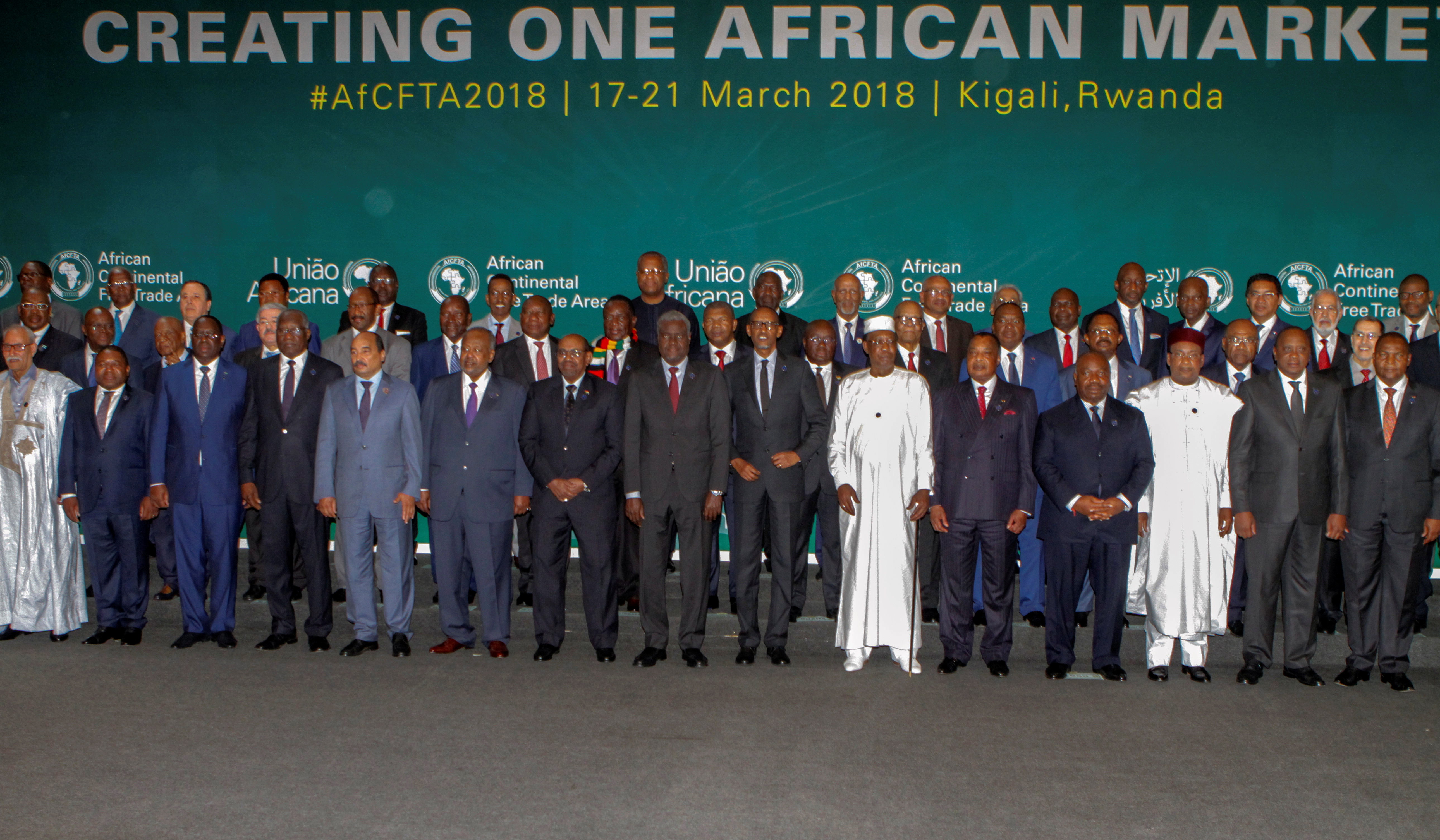 African leaders pose for a group photograph as they meet to sign a free trade deal, in Kigali