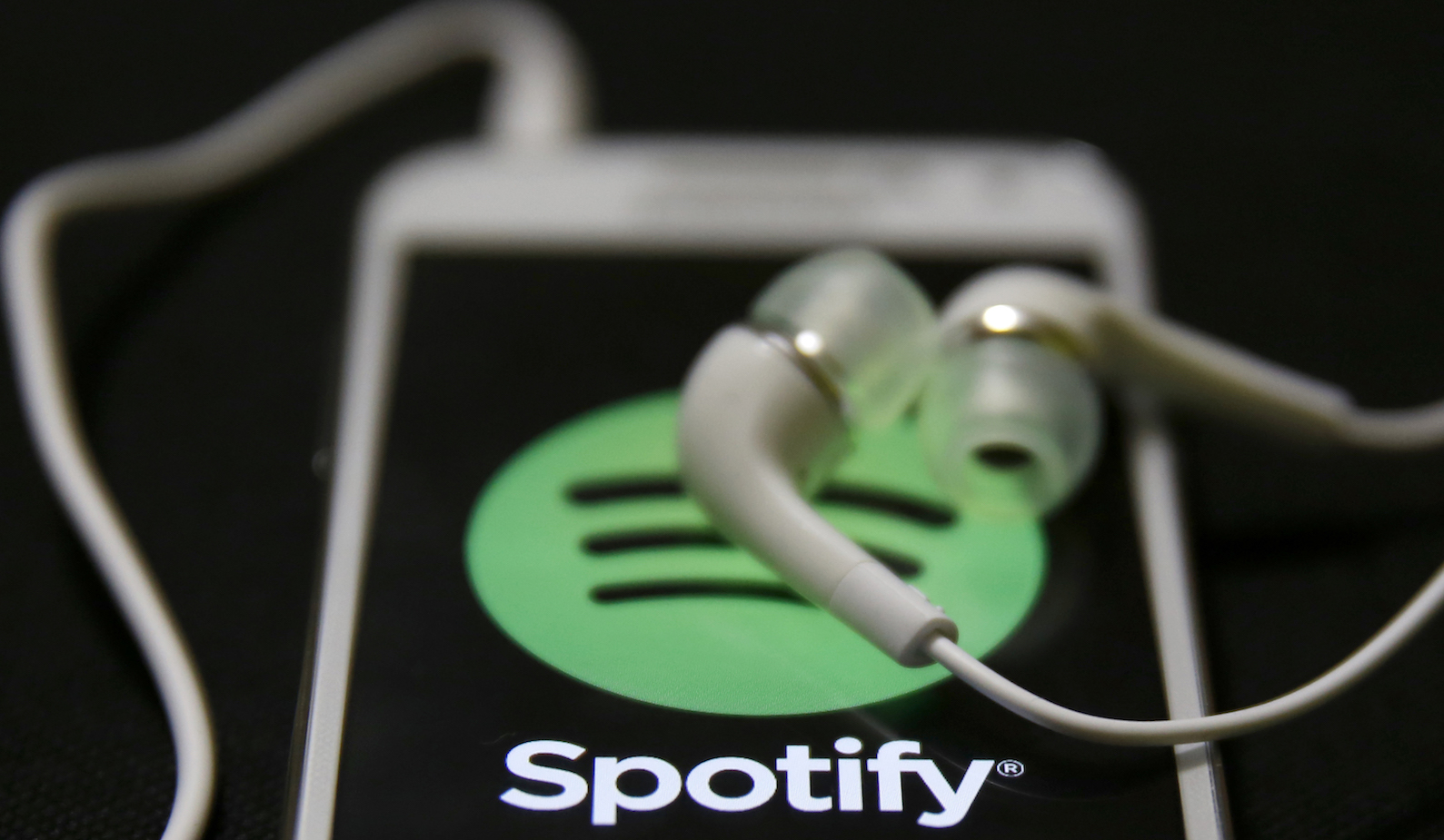 Should you invest in Spotify's IPO? — Quartz