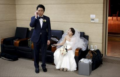 Marriages and birth rate in South Korea fall to record lows