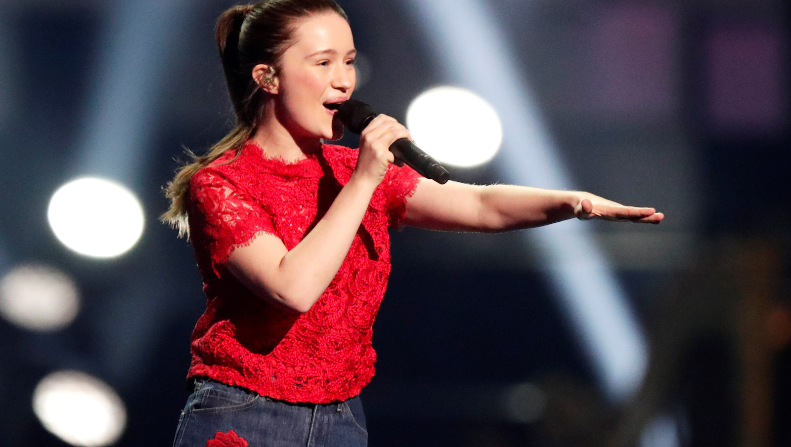 Sigrid performs at the traditional Nobel Peace Prize concert honouring the laureates, at Telenor Arena in Fornebu, Norway, December 11, 2017.  NTB Scanpix/Berit Roald via REUTERS   ATTENTION EDITORS - THIS IMAGE WAS PROVIDED BY A THIRD PARTY. NORWAY OUT. NO COMMERCIAL OR EDITORIAL SALES IN NORWAY.  *** Local Caption *** NORWAY OUT - RC1C4C724A00