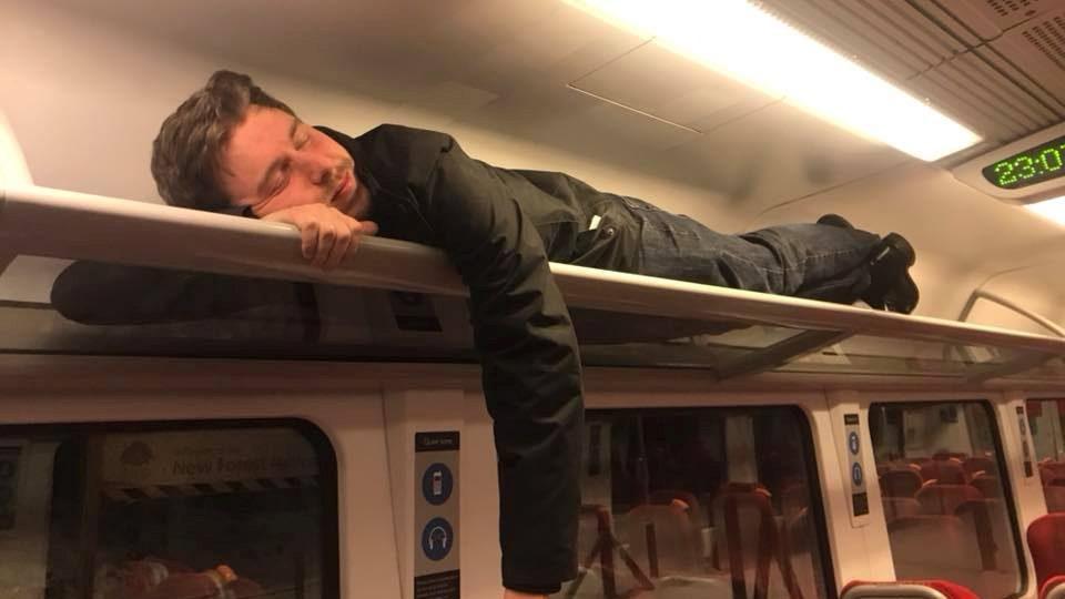 Man sleeps being trapped overnight on a train in Brockenhurst