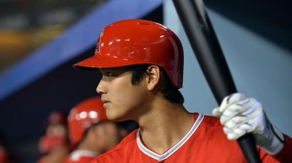 Shohei Ohtani bats in Spring Training 2018