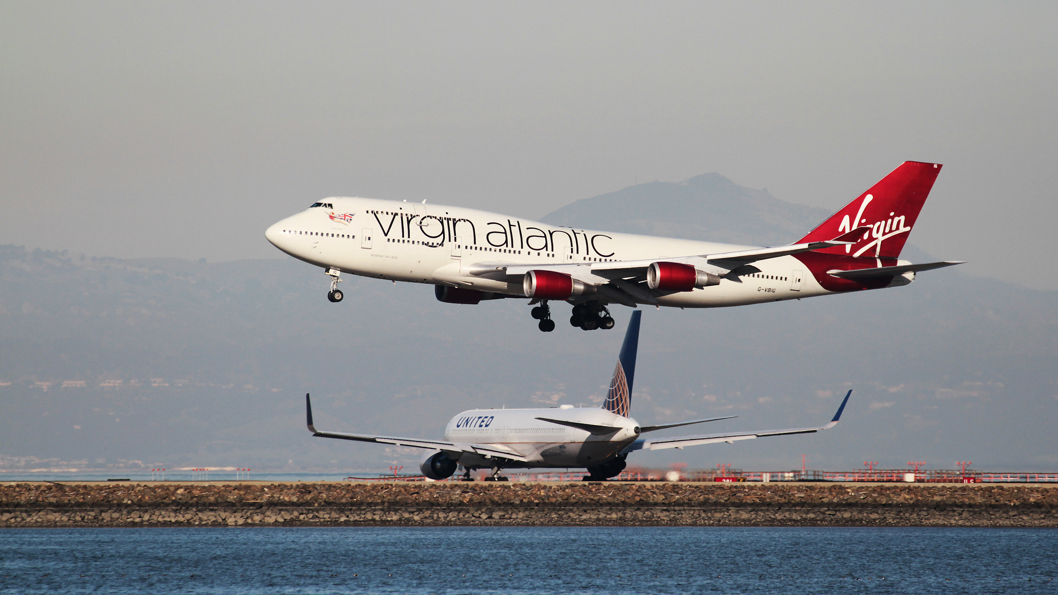 Long haul transatlantic airlines