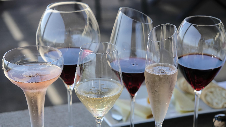 wine glasses in sonoma valley