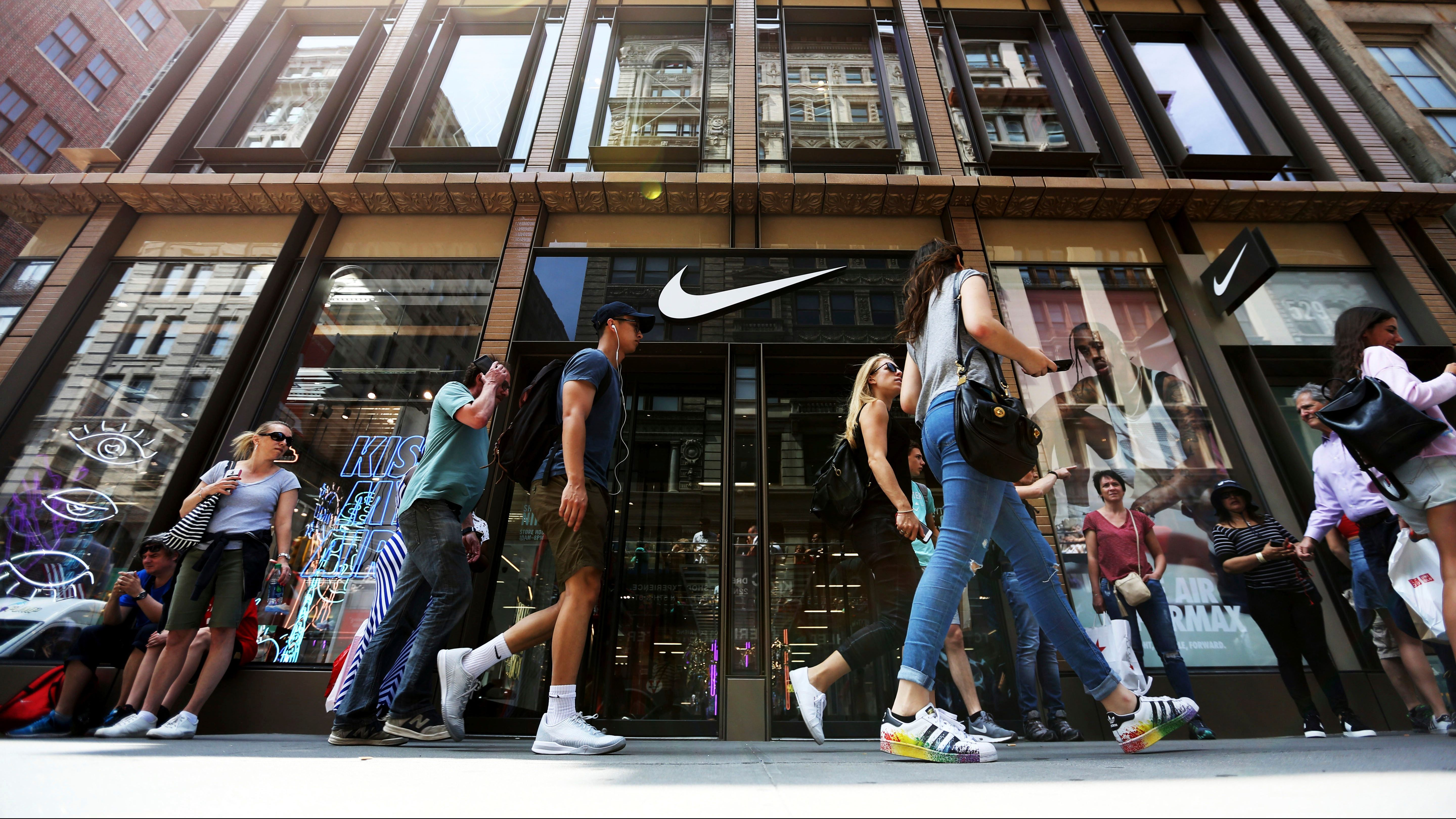 Nike Is Losing Pority To Adidas And Vans Among Teens Survey Finds Quartzy