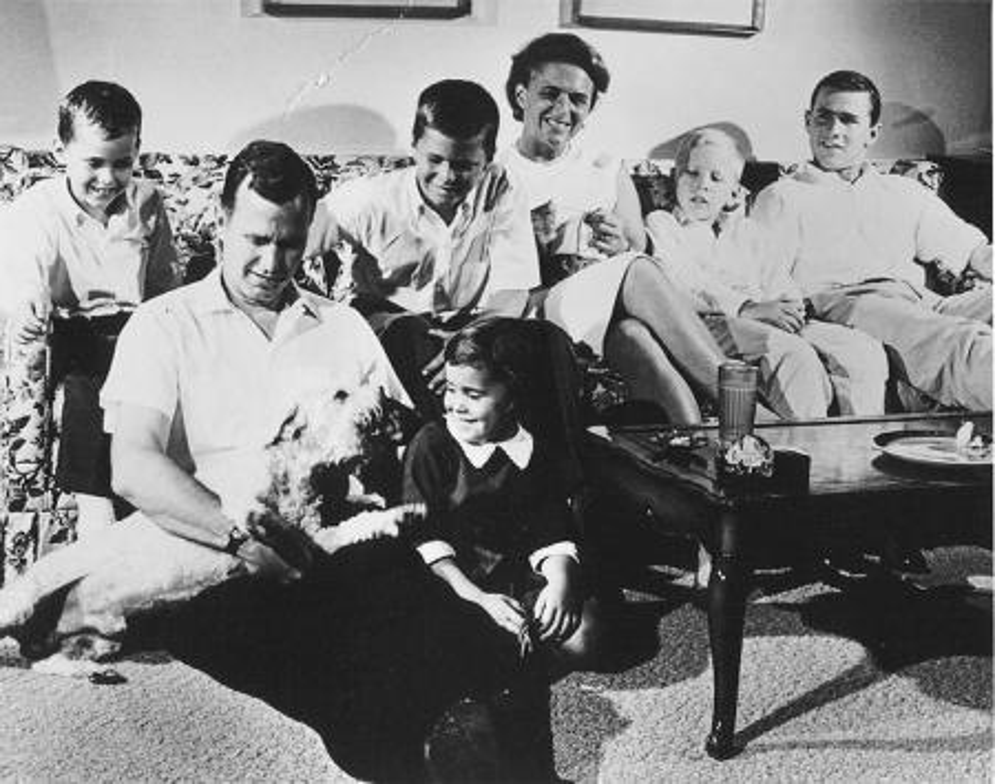 Barbara Bush with George H.W. bush and their children