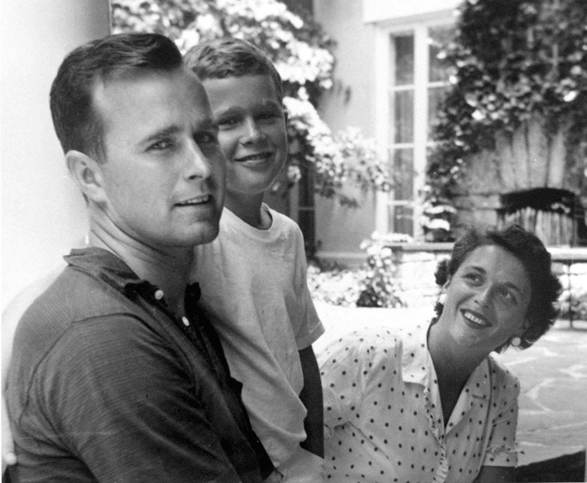 George H.W. Bush, George W. Bush, Barbara Bush