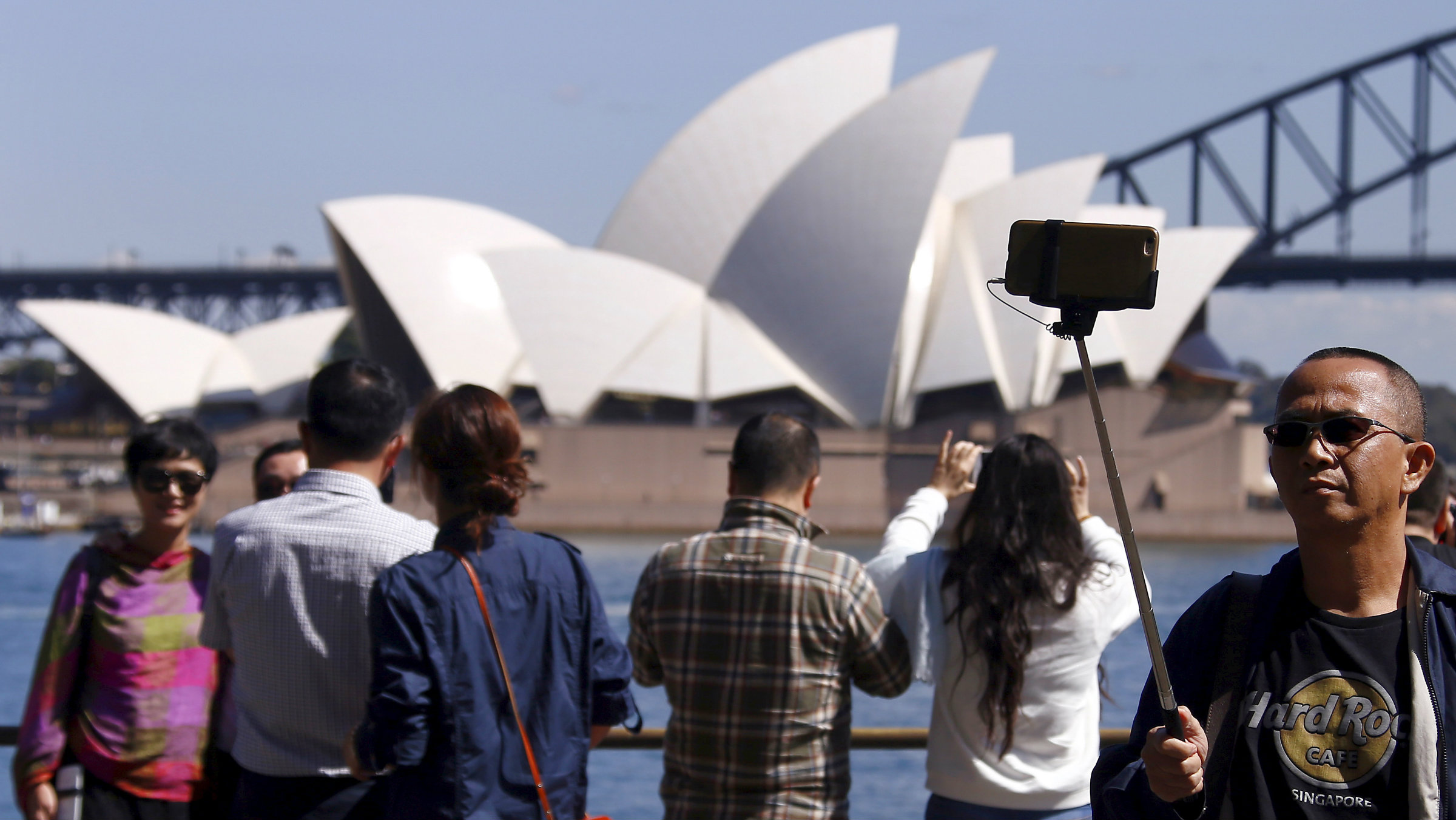 Chinese tourists in front of Sydney Opera House
