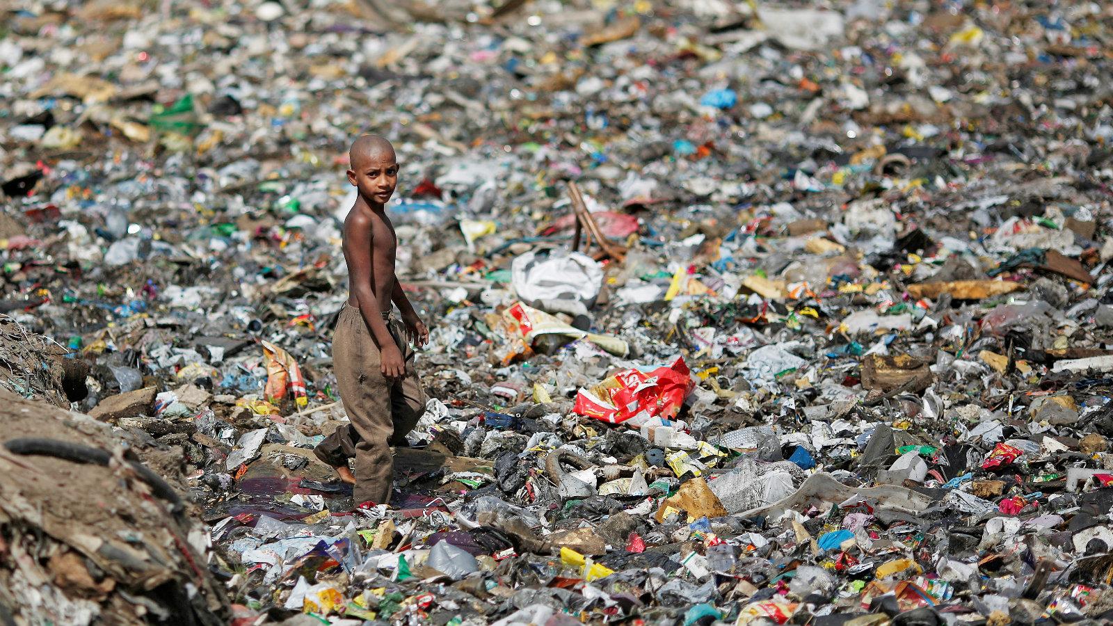 India-waste-garbage-sewage