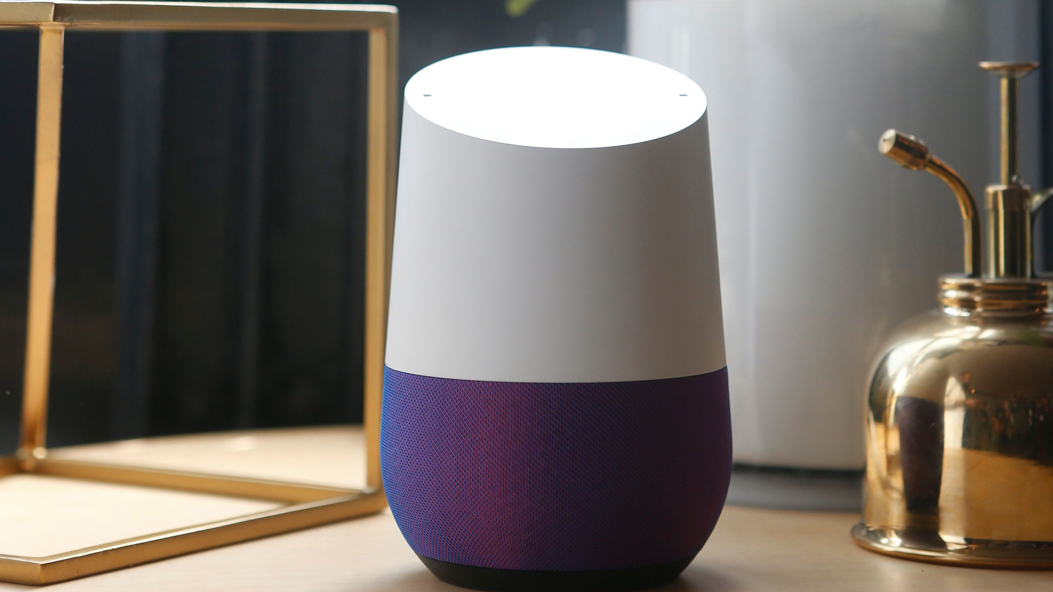 Google Home is displayed during the presentation of new Google hardware in San Francisco, California, U.S. October 4, 2016.  REUTERS/Beck Diefenbach - HT1ECA41EU22H