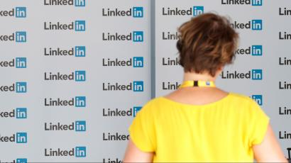 LinkedIn: What should I say when I'm reaching out to someone I don't