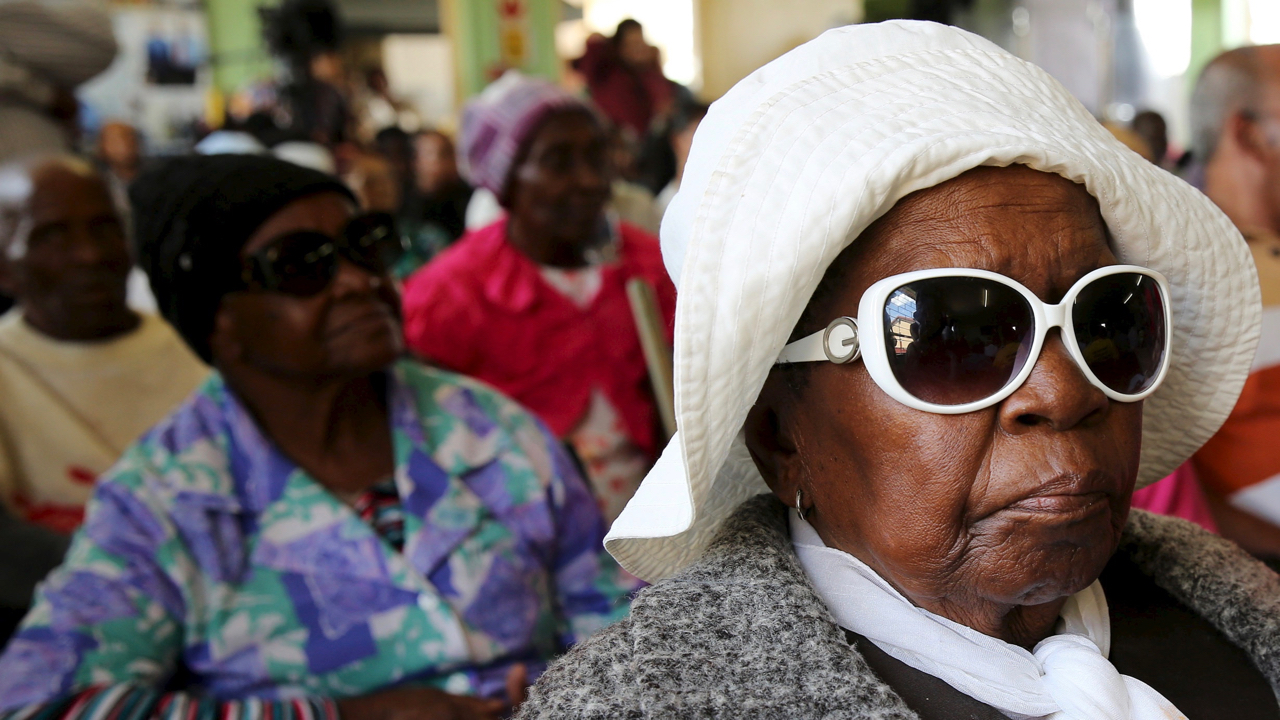 Women wait for the visit of South Africa's president, Jacob Zuma at the Lodewyk P. Spies Old Age Home in Eersterust, Pretoria, December 15, 2015. REUTERS/Siphiwe Sibeko - GF10000266598