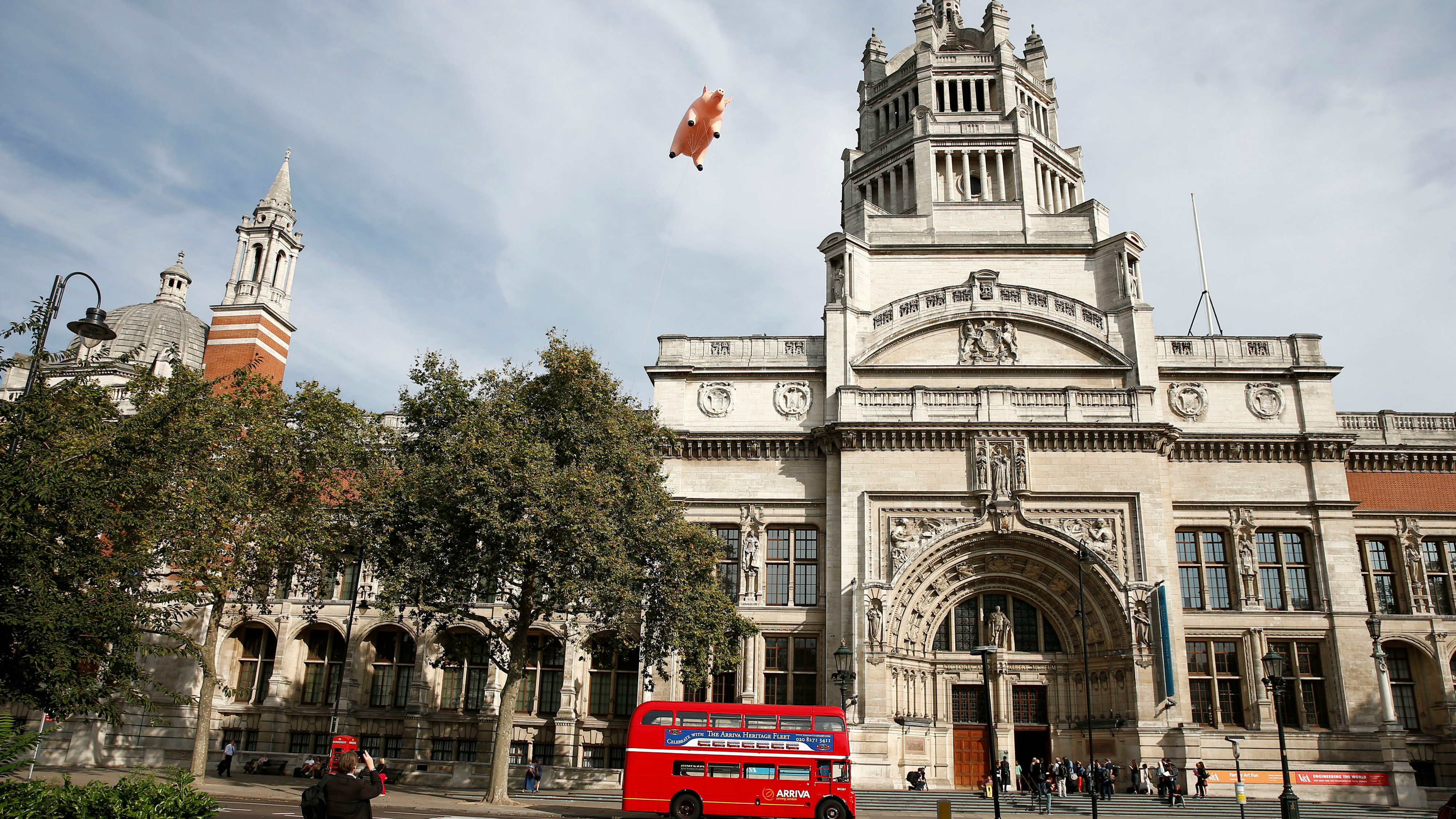 "An inflatable pig from the band Pink Floyd floats over the Victoria and Albert Museum to promote ""The Pink Floyd Exhibition: Their Mortal Remains"", which will open in May 2017, in London, Britain August 31, 2016."
