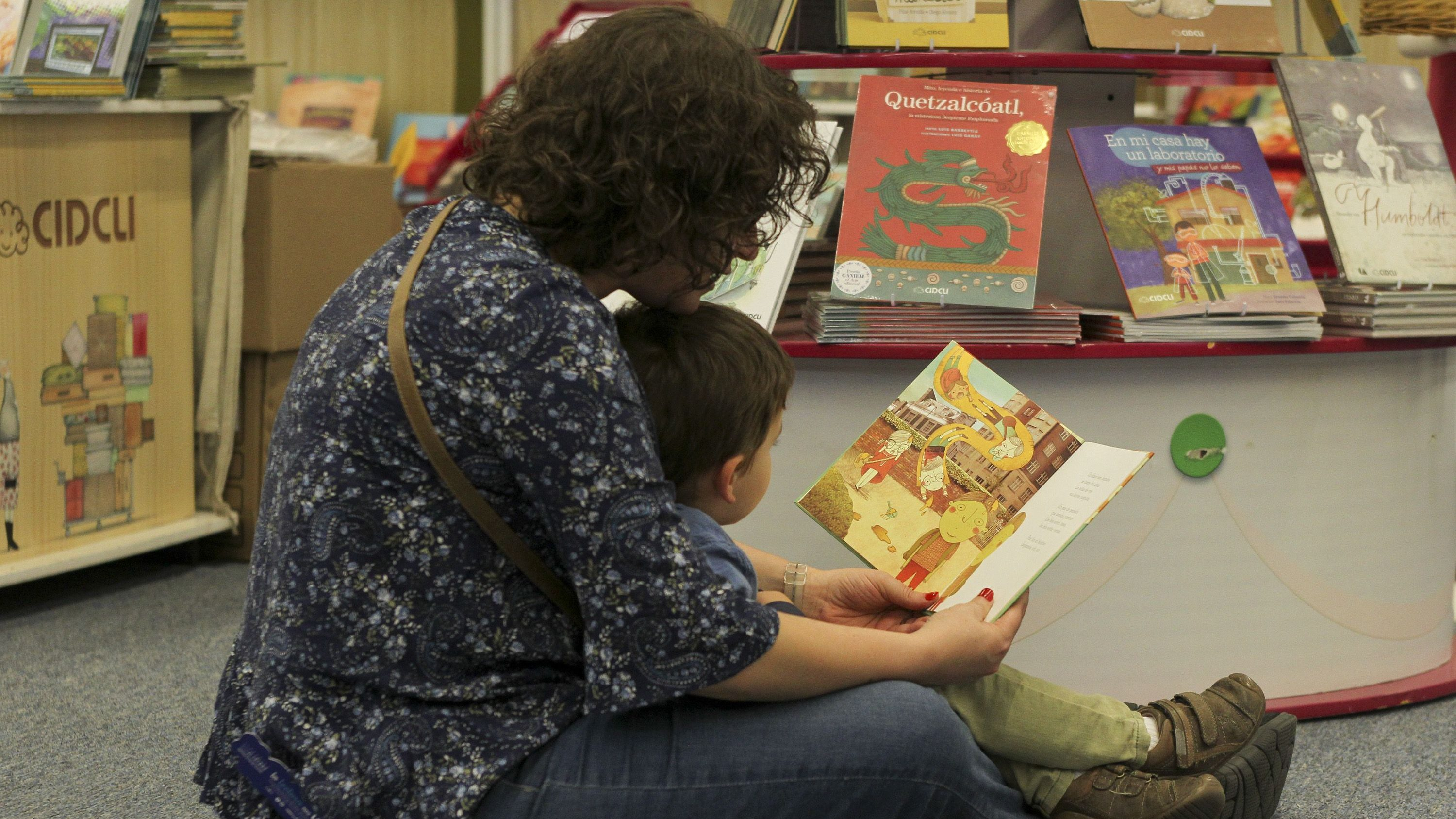 Three of the best ways to read books to kids, backed by science ...