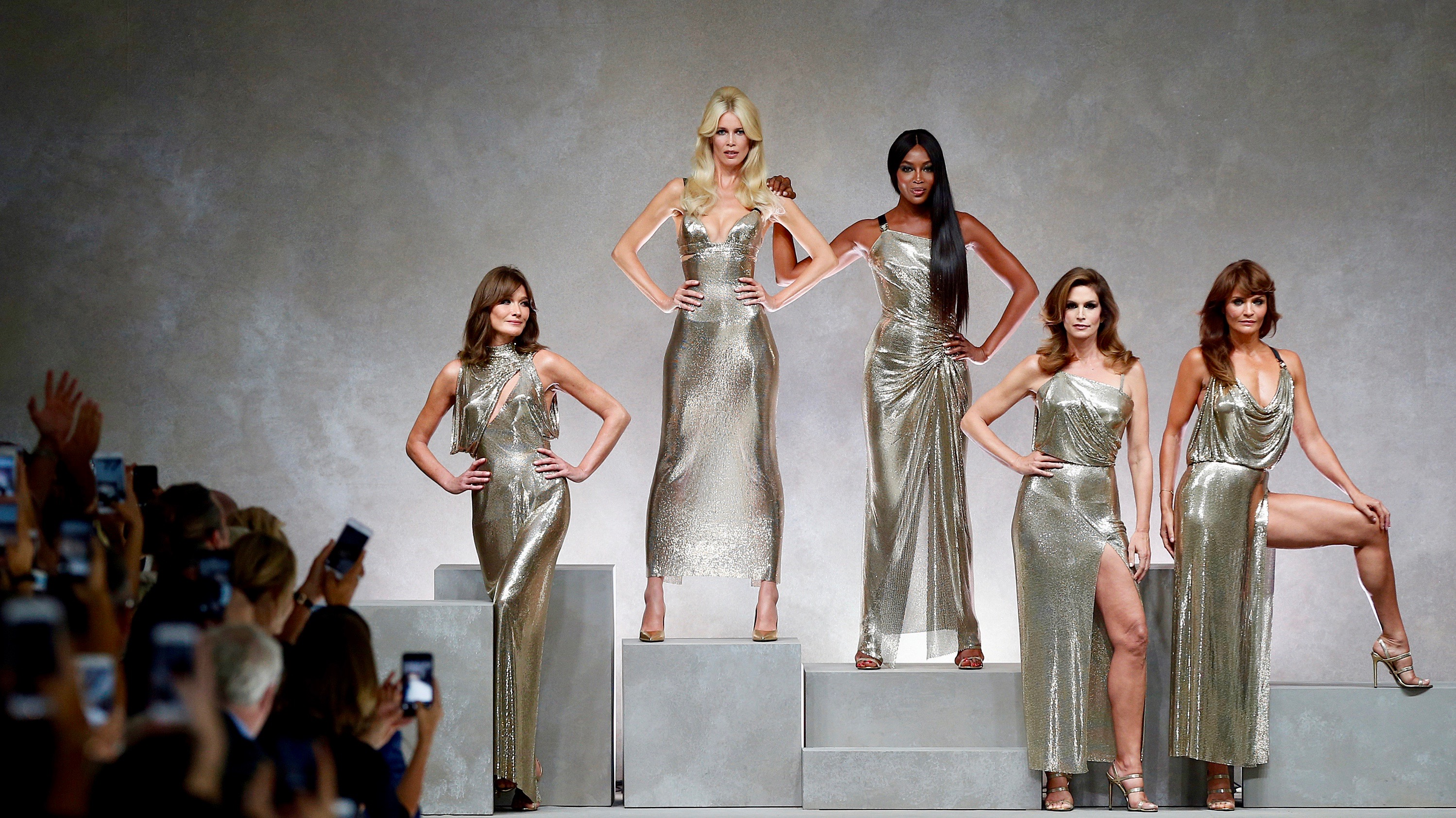 Carla Bruni (L), Claudia Schiffer, Naomi Campbell, Cindy Crawford and Helena Christensen in Versace.