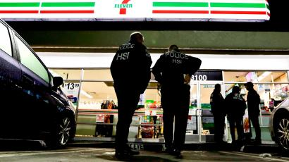 ICE agents at 7-Eleven in California