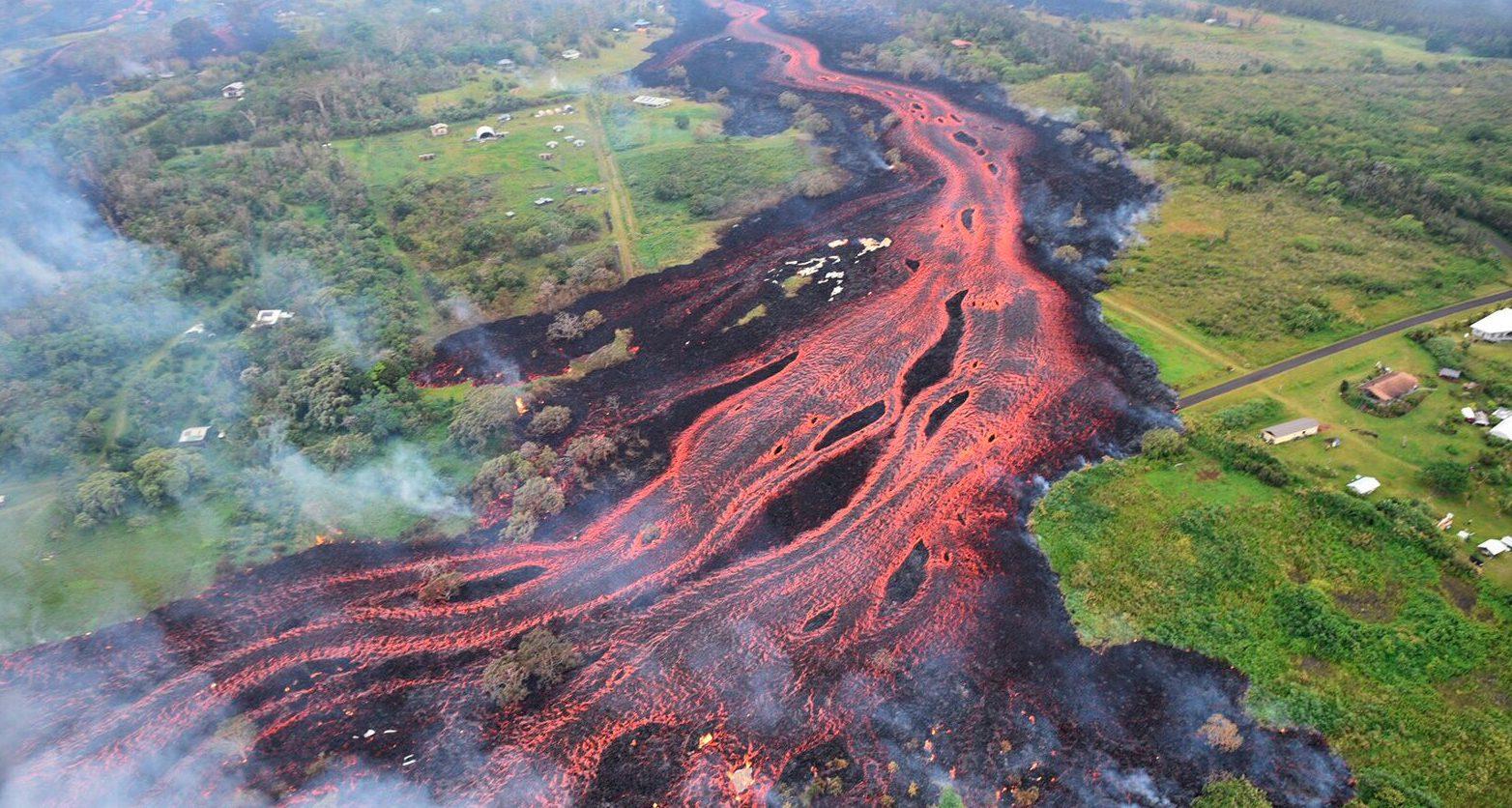 Volcanoes (Disasters)