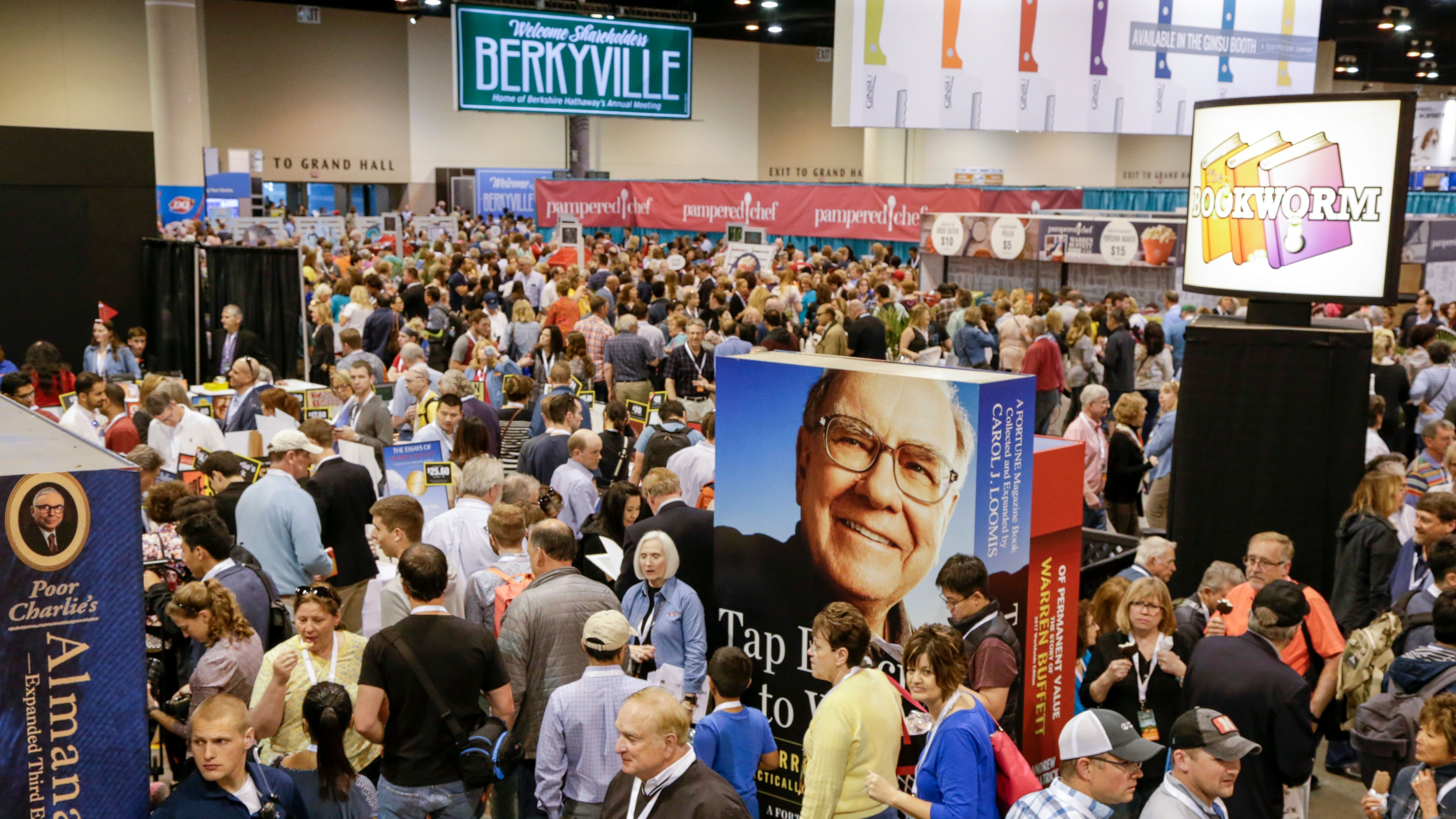 the cult of warren buffett and the berkshire hathaway annual meeting quartz at work