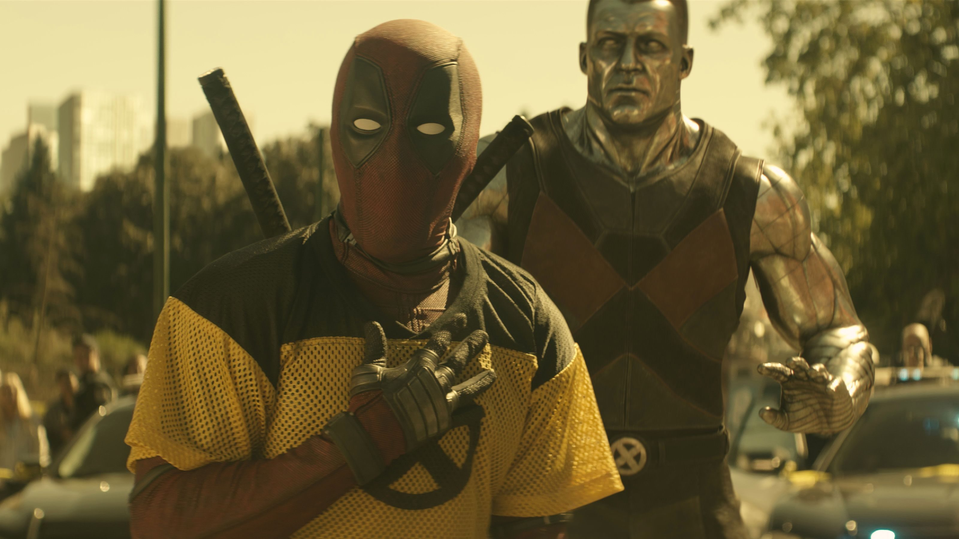mb0340_pubstill_v0212.1010 – Deadpool (Ryan Reynolds) and Colossus in Twentieth Century Fox's DEADPOOL 2. Photo Credit: Courtesy Twentieth Century Fox.