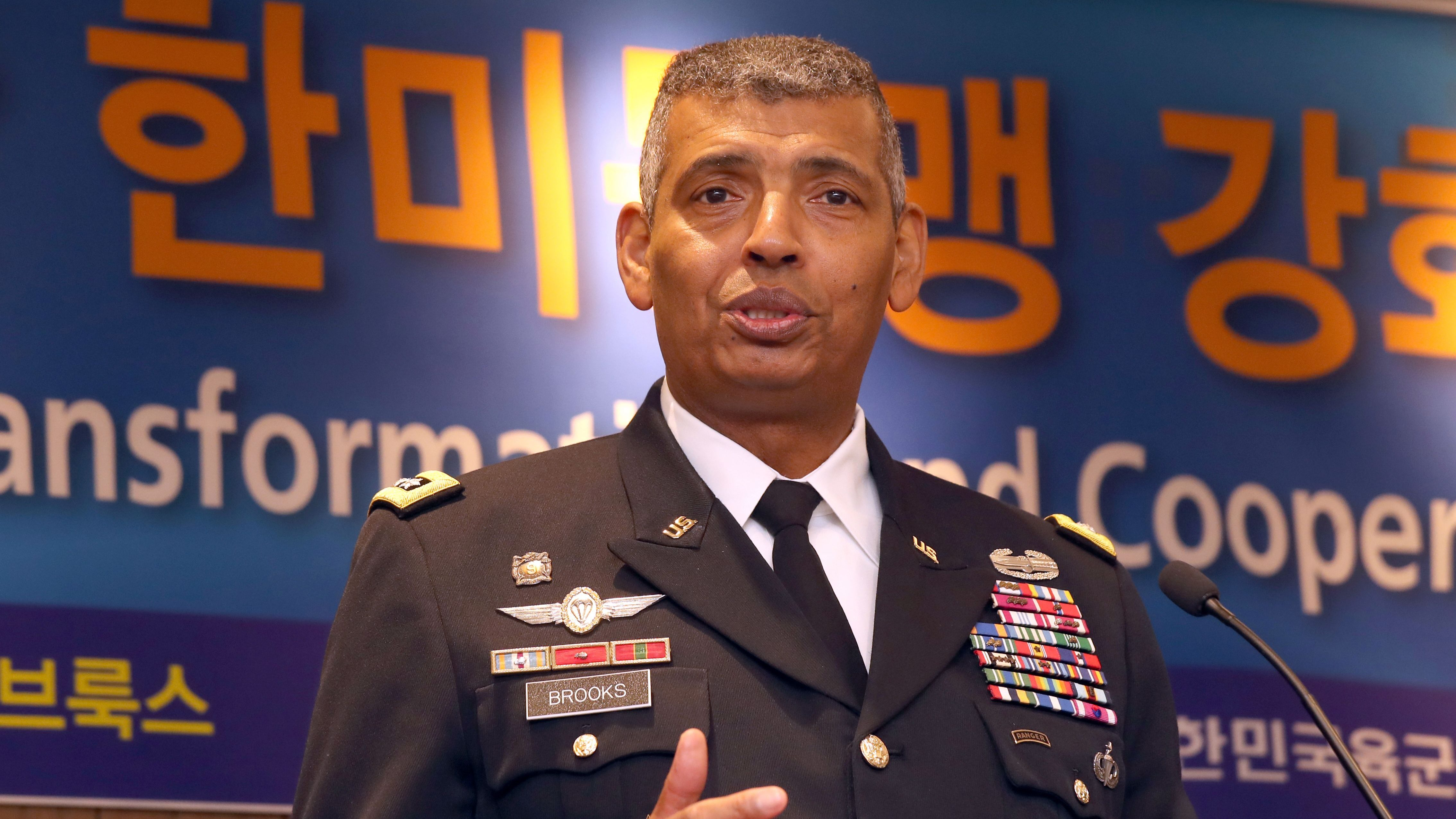 General Vincent Brooks, commander of United States Forces Korea, gives a lecture, organized by the Association of the Republic of Korea Army, at a hotel in Seoul, South Korea, 03 November 2017.