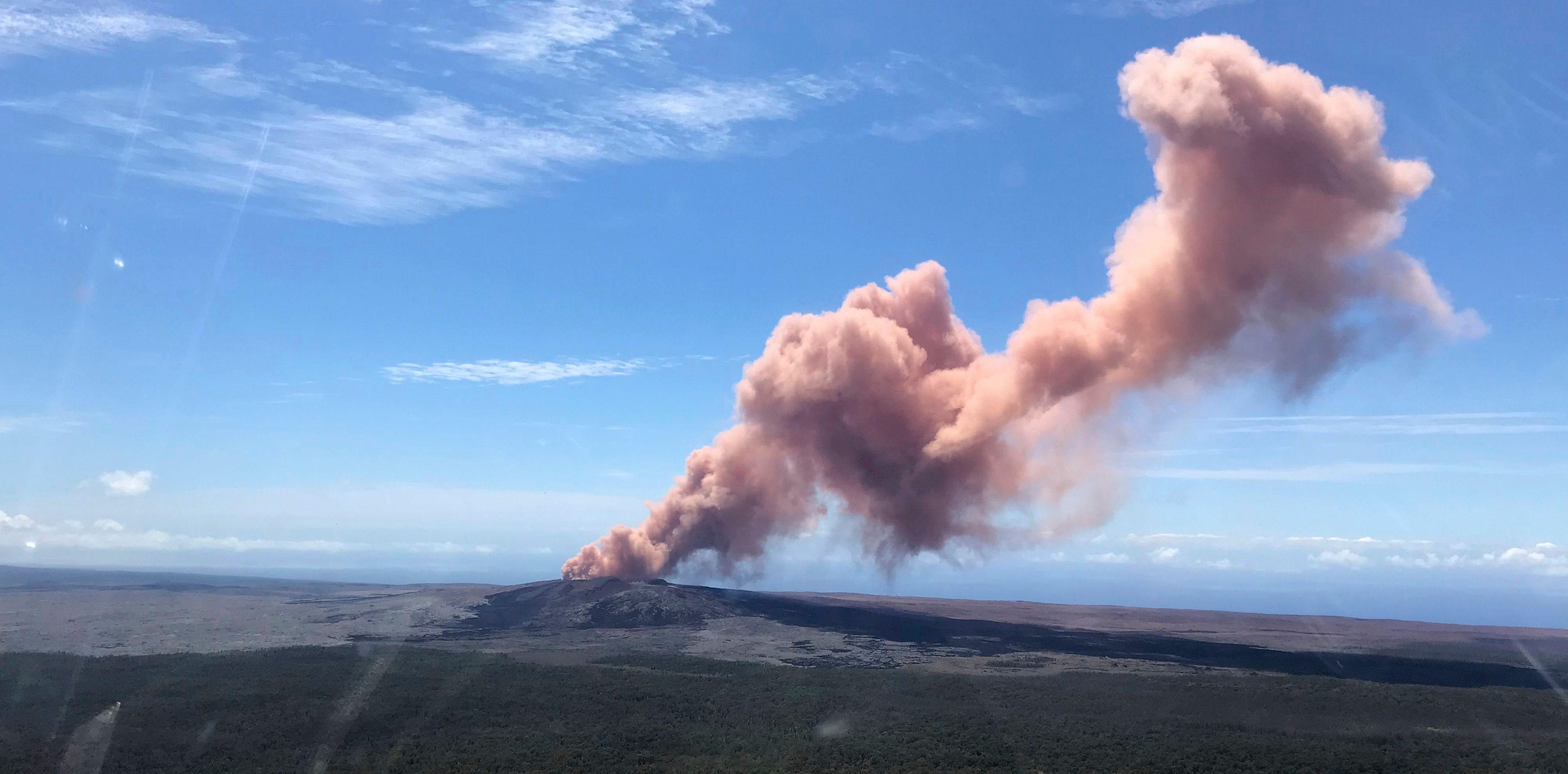 Resultado de imagen para volcano kilauea view aerial