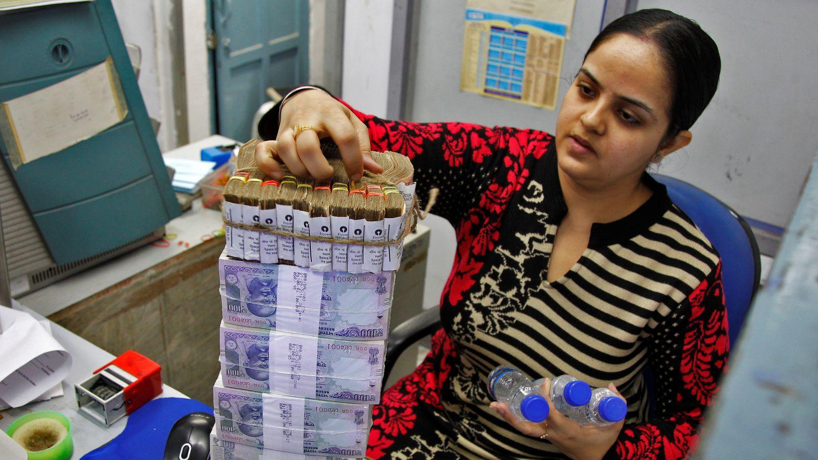 India-bad loans-money