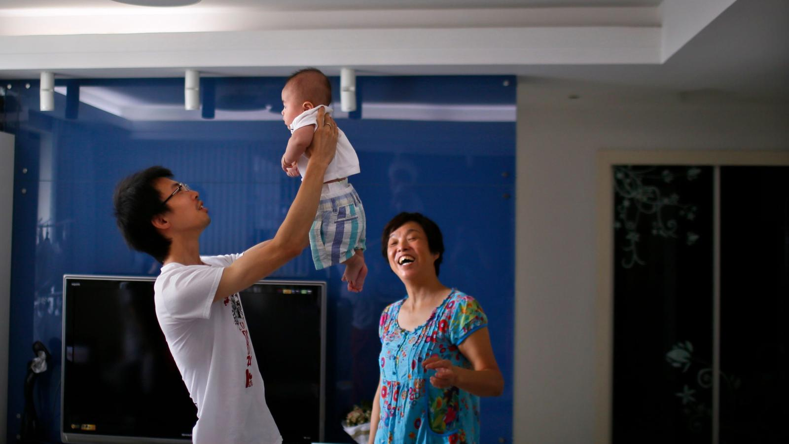 Paid parental leave: Why I require new fathers who work for