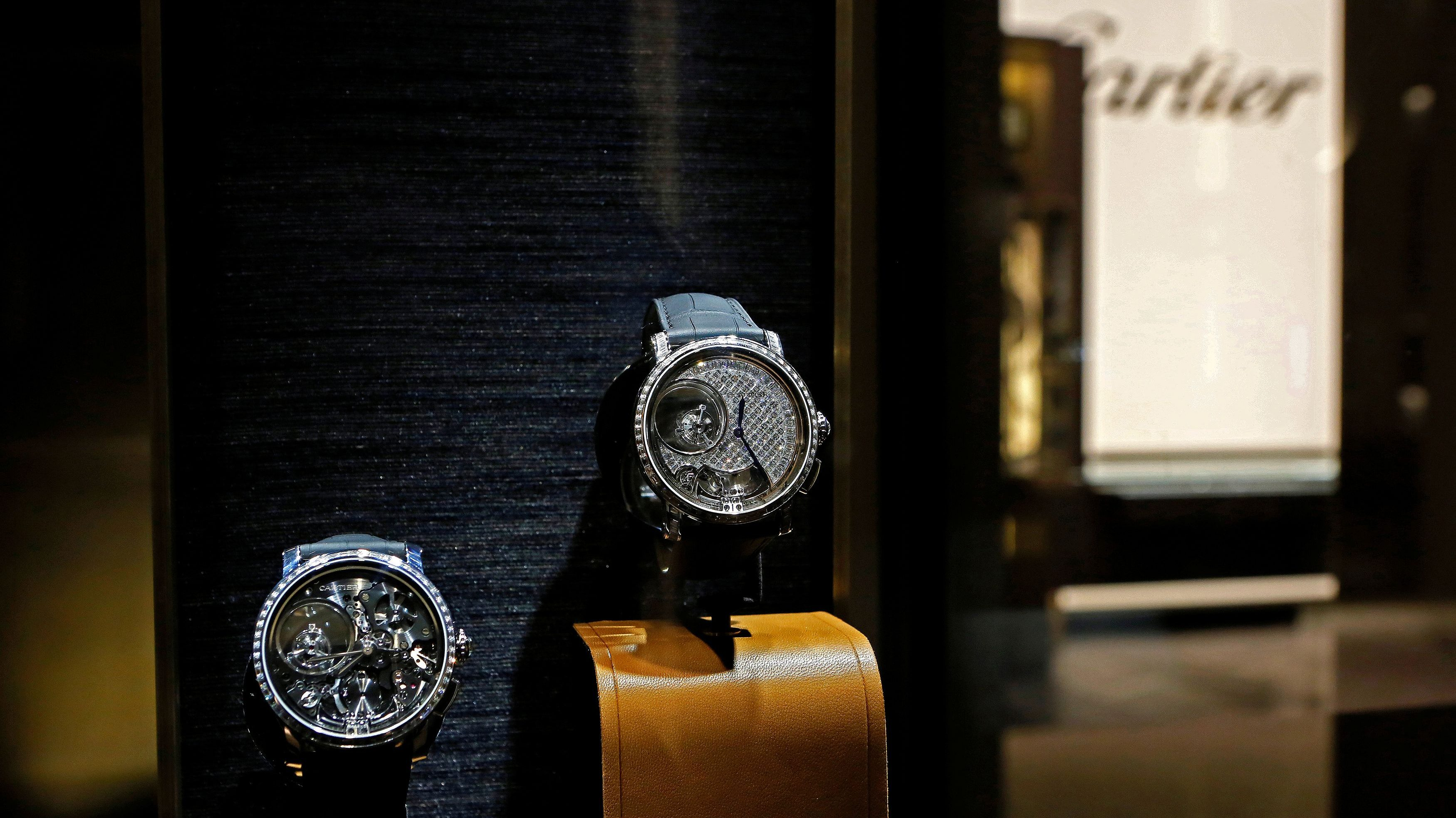 Watches models by Cartier are pictured during the opening day of the Salon International de la Haute Horlogerie (SIHH) watch fair for Richemont brands in Geneva, Switzerland January 16, 2017. REUTERS/Pierre Albouy - RC1EDA8C0410