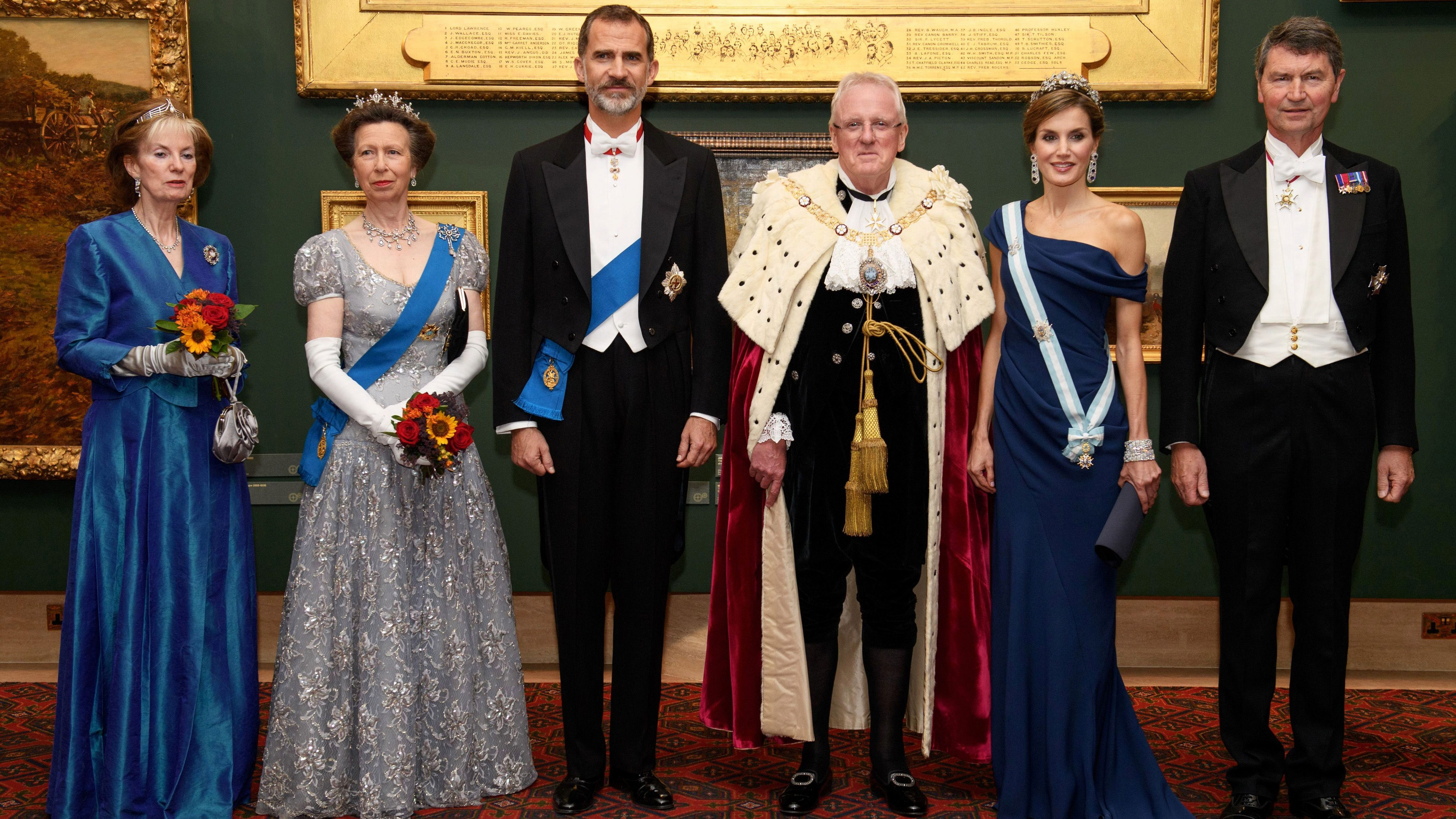 Royal families: The countries that most want to abolish the