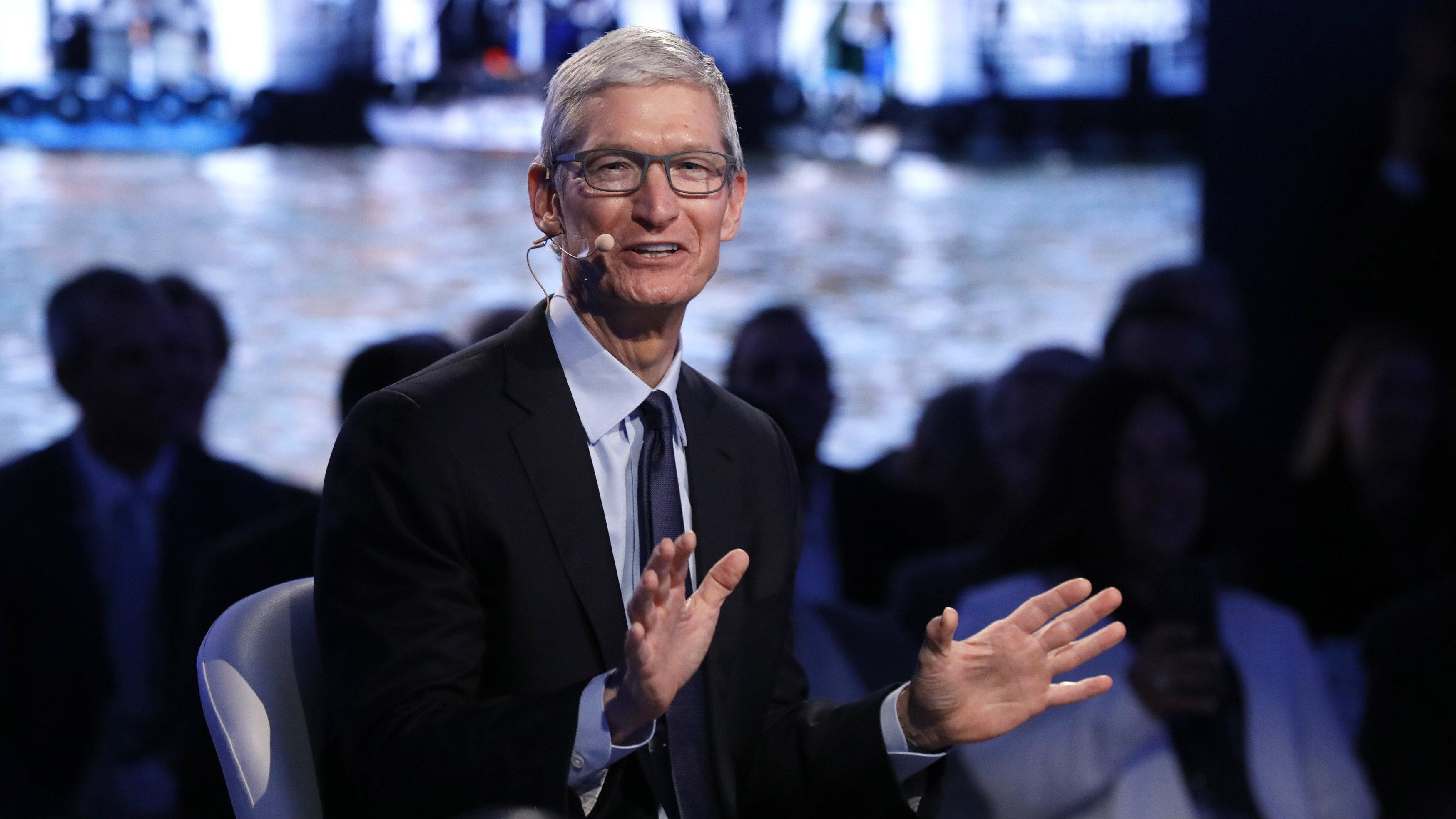 Apple plans $100 billion stock buyback