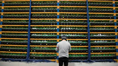 why bitcoin is falling down today