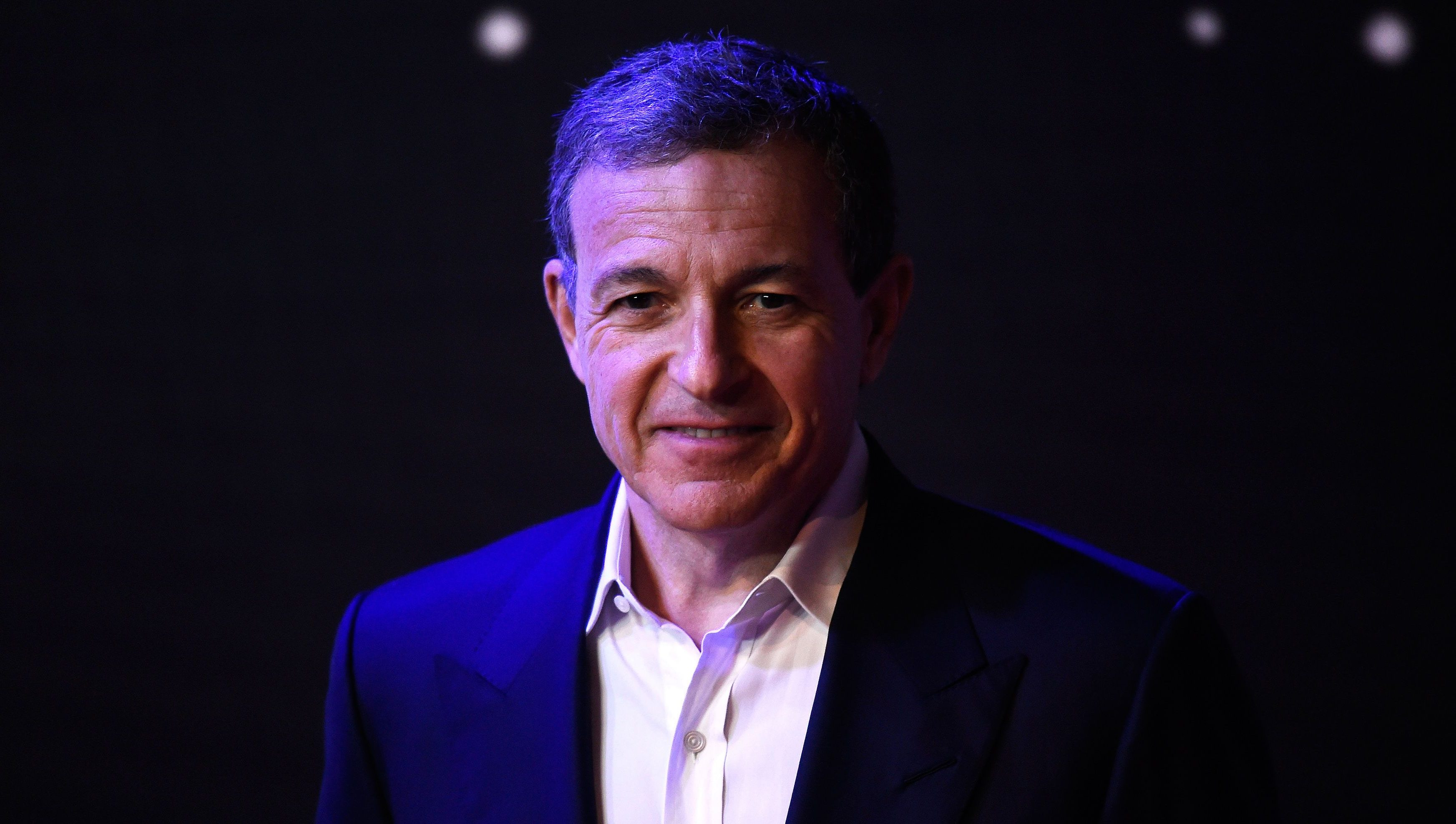 Bob Iger, the Chief Executive Officer of Disney, arrives at the European Premiere of Star Wars, The Force Awakens in Leicester Square, London, December 16, 2015.    REUTERS/Dylan Martinez  - LR2EBCG1DGRSI